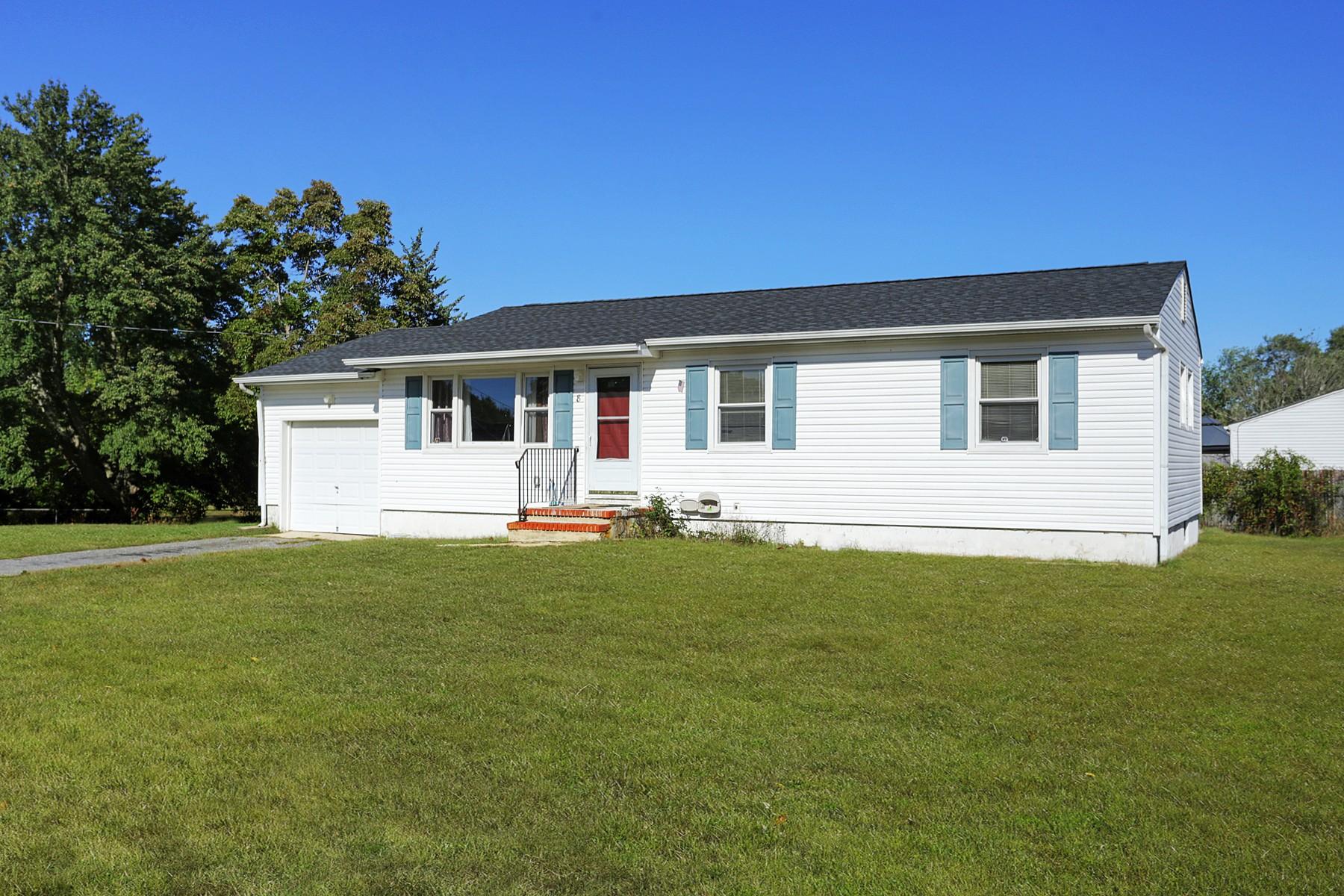Single Family Homes por un Venta en 3 Bedroom Ranch 8 Glen Road Howell, Nueva Jersey 07731 Estados Unidos