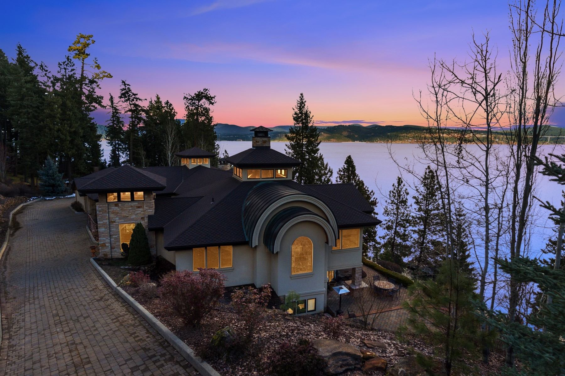 Single Family Homes for Sale at Magical Simple Lake Elegance 4200 S Threemile Point Rd Coeur D Alene, Idaho 83814 United States