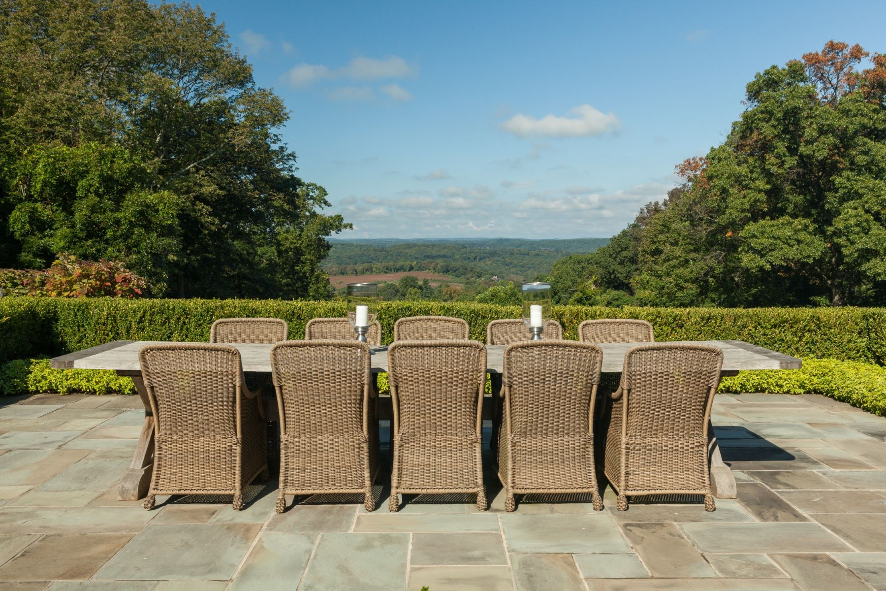 Additional photo for property listing at Picture-Perfect views atop Bernardsville Mountain 52 Chapin Road Bernardsville, New Jersey 07924 United States