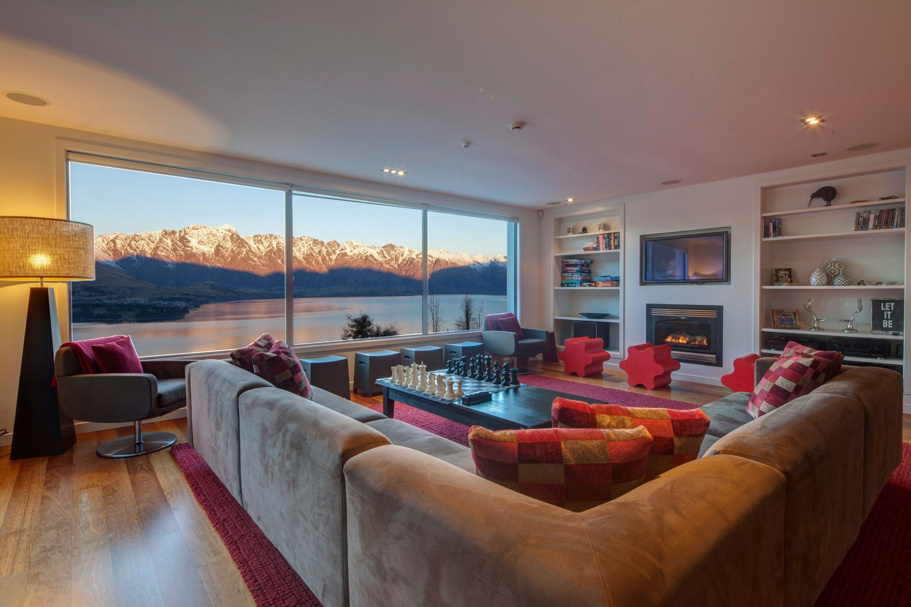 Single Family Home for Rent at Lordens Apartment 1 6 Lordens Place, Queenstown, Otago, 9300 New Zealand