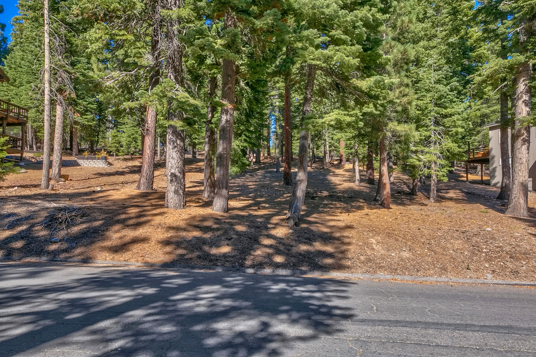 Additional photo for property listing at 1367 Kings Way, Tahoe Vista, Ca 96148 1367 Kings Way Tahoe Vista, California 96140 United States