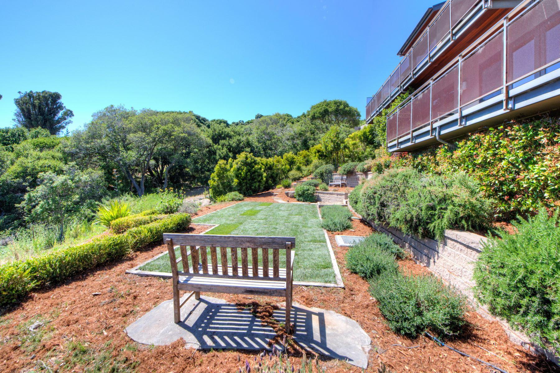 Maison unifamiliale pour l Vente à Architectural Masterpiece 81 Round Hill Road Tiburon, Californie, 94920 États-Unis