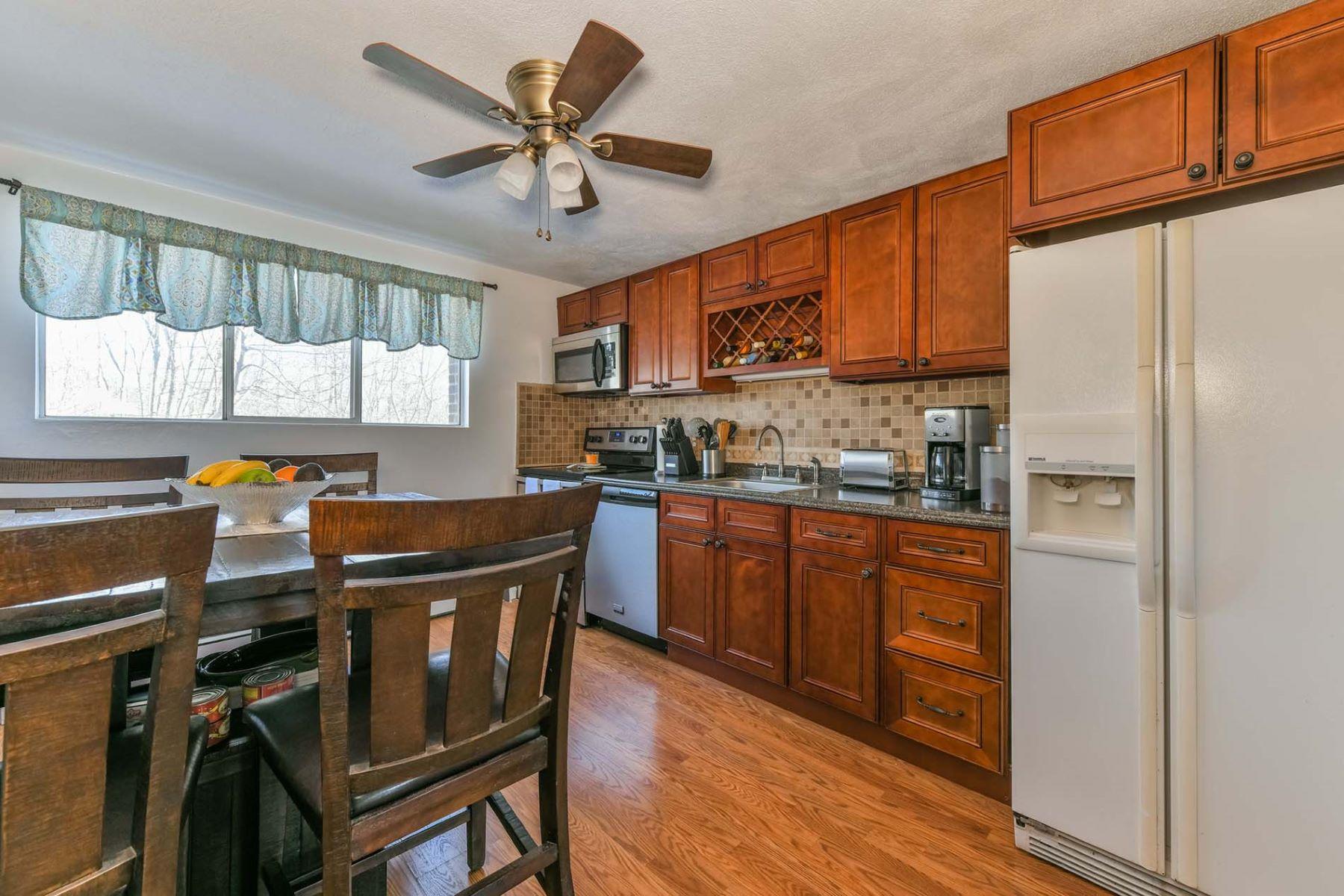 Condominium for Sale at 9 Woodcrest Ct 4, Weymouth 9 Woodcrest Ct 4 Weymouth, Massachusetts 02190 United States