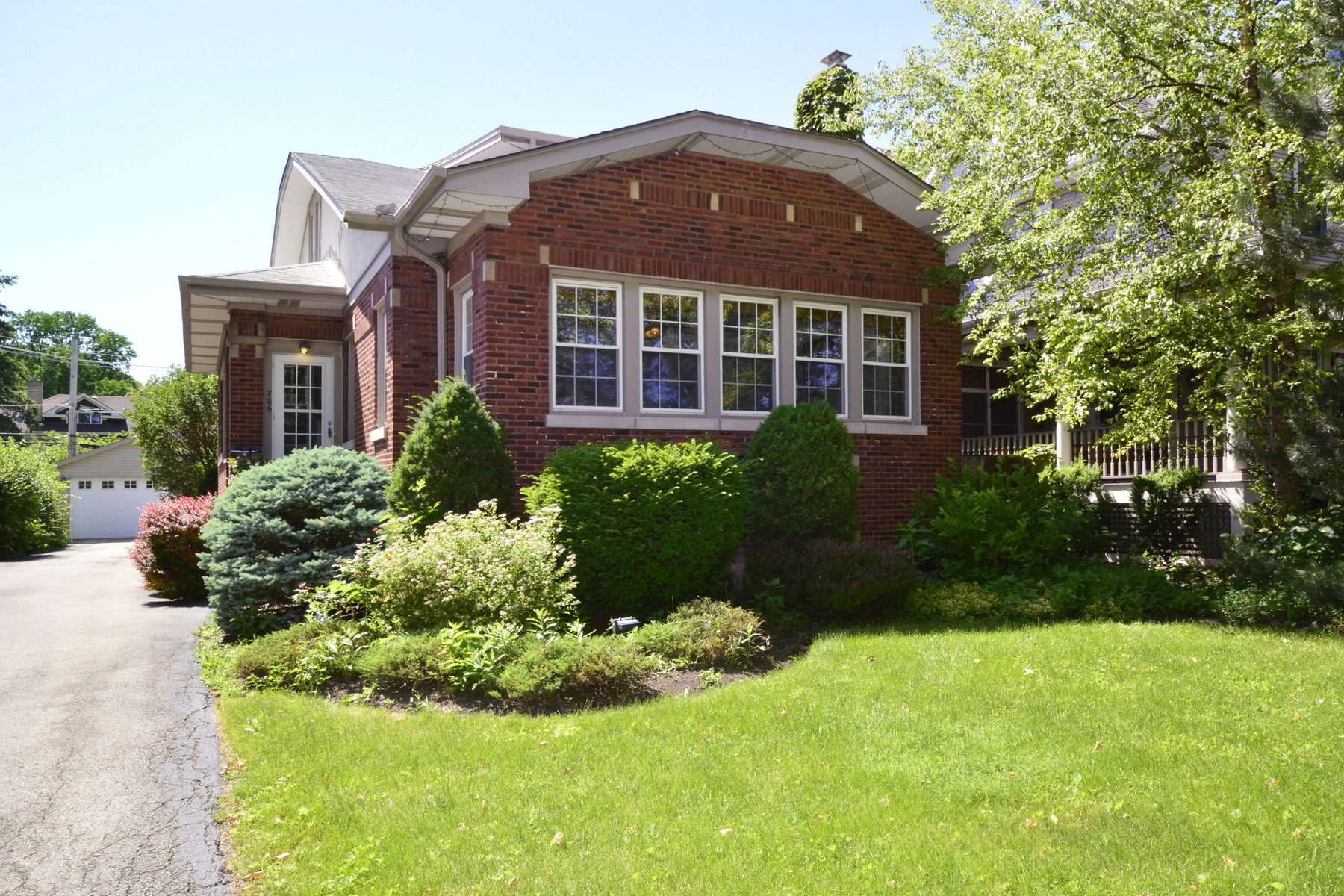Single Family Home for Sale at Beautiful River Forest Home 706 Ashland Avenue River Forest, Illinois, 60305 United States