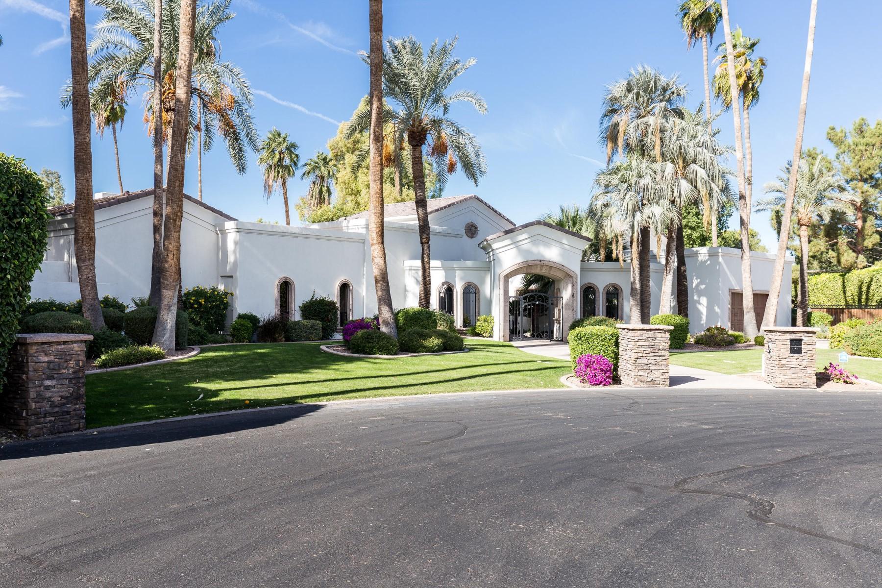 一戸建て のために 売買 アット Paradise Valley home in Camelback Country Club Estates 4 8436 N Golf Dr, Paradise Valley, アリゾナ, 85253 アメリカ合衆国