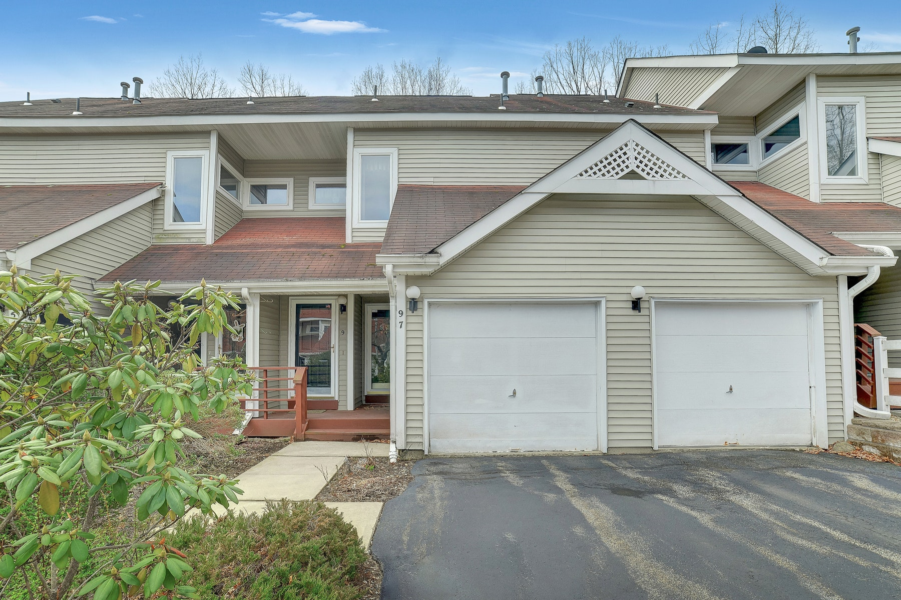 townhouses for Sale at 9 Heritage Court Jefferson Township, New Jersey 07438 United States