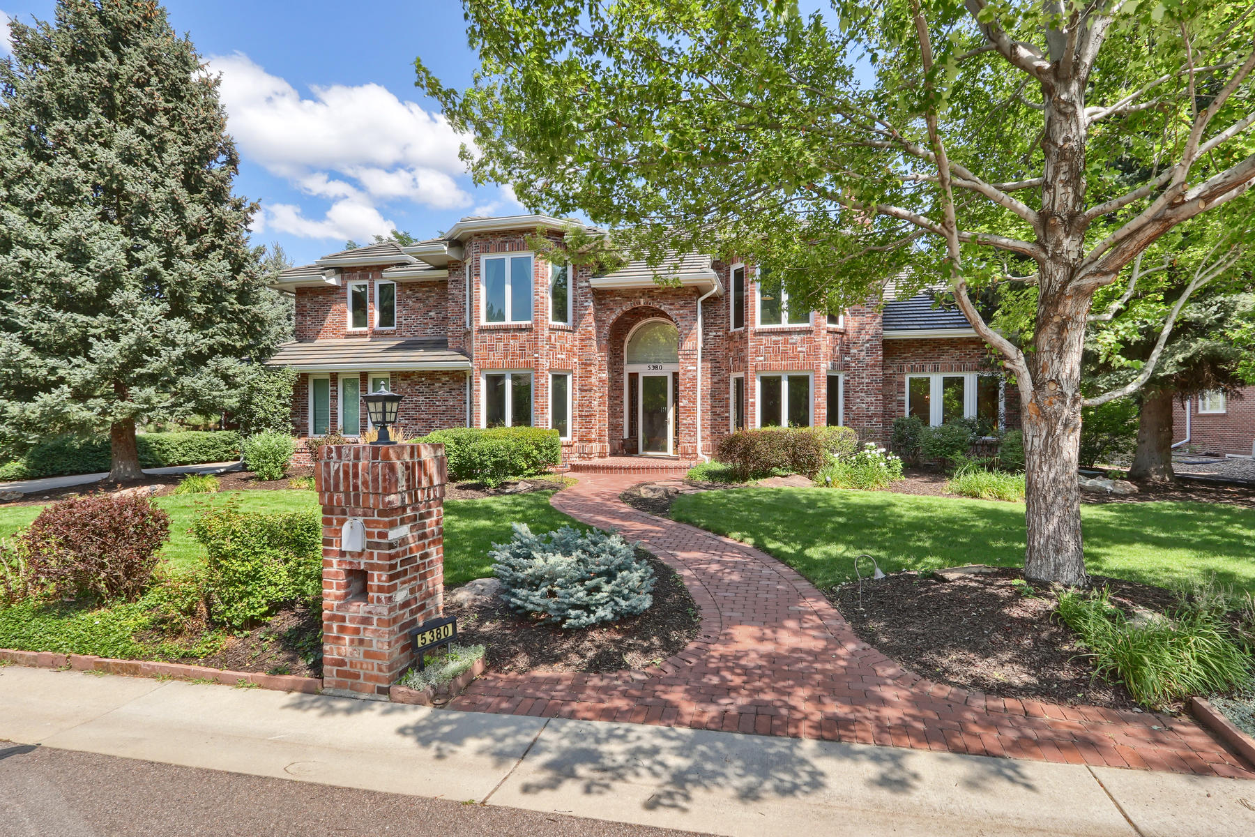 Single Family Homes for Active at Lovely home with beautiful curb appeal, on one of the most desirable streets. 5380 S Fulton Ct Greenwood Village, Colorado 80111 United States