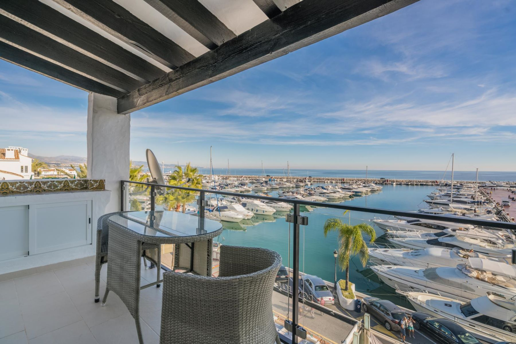 Apartamento para Venda às 1 bedroom penthouse with lovely views to the marina and the sea Other Andalucia, Andaluzia, Espanha