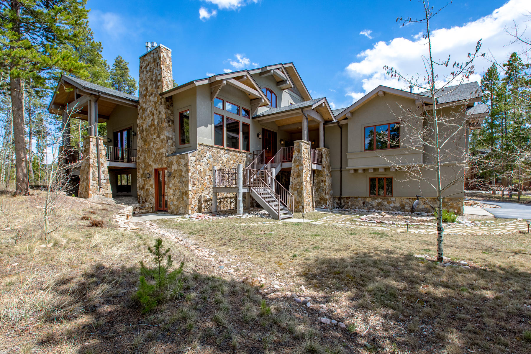 Single Family Home for Active at Stunning custom home located in Sunset Ridge! 148 GCR 8307/Silver Lining Cir Tabernash, Colorado 80478 United States