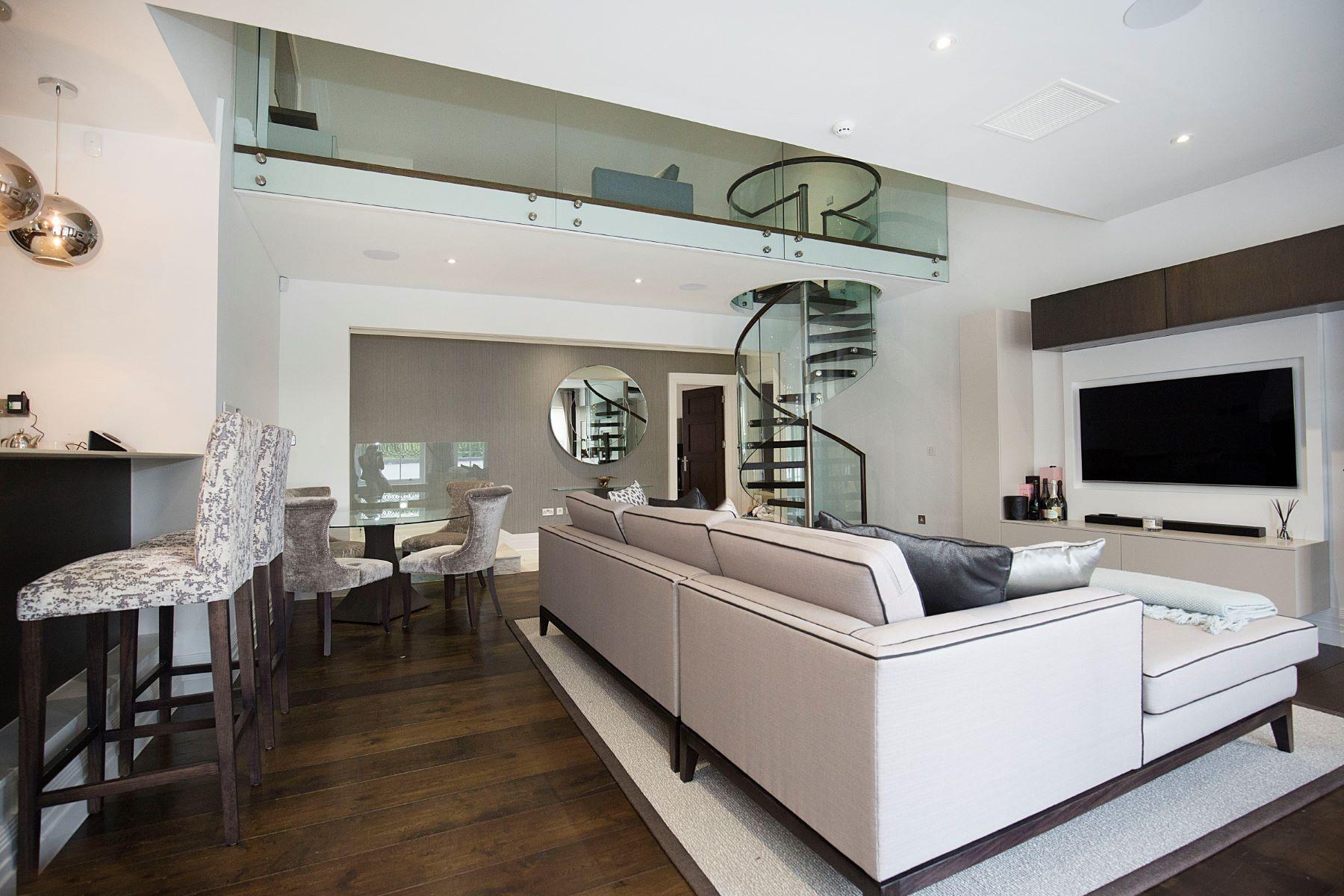 Квартира для того Продажа на Esher, Surrey Esher, Англия, Великобритания