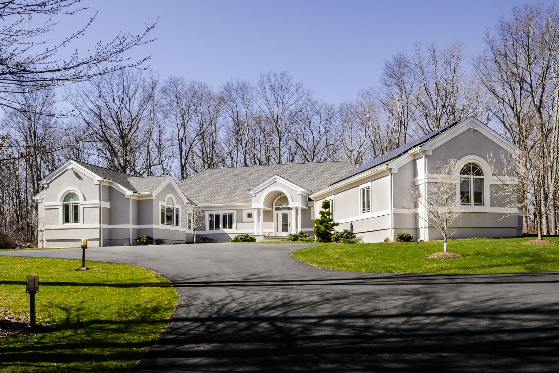 Single Family Home for Sale at Packed With Designer Style - East Amwell Township 170 Mountain Road Ringoes, 08551 United States