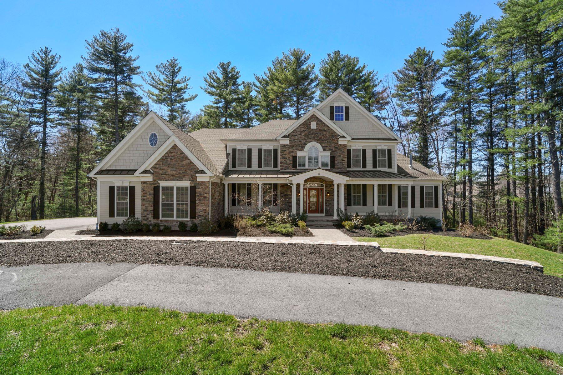 Single Family Home for Active at 10 Shady Lane Walpole, Massachusetts 02081 United States