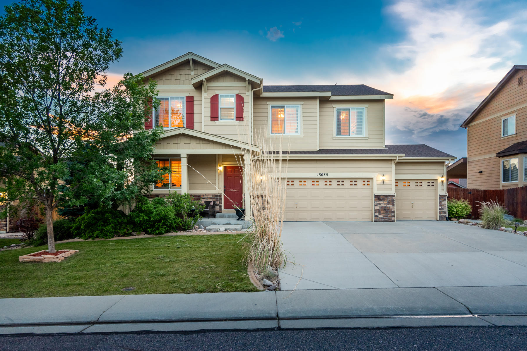 Single Family Homes for Sale at 4 bed 3 bath w/ home office in one of Thornton's most sought after neighborhoods 13035 Tamarac Pl Thornton, Colorado 80602 United States