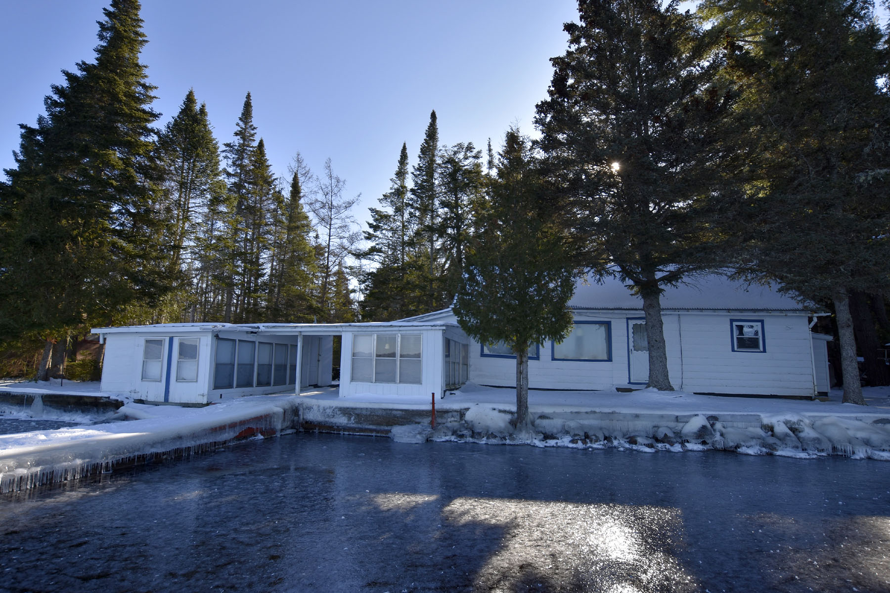 Single Family Homes for Sale at 159 Lakeshore Drive 159 Lakeshore Dr. Raquette Lake, New York 13436 United States