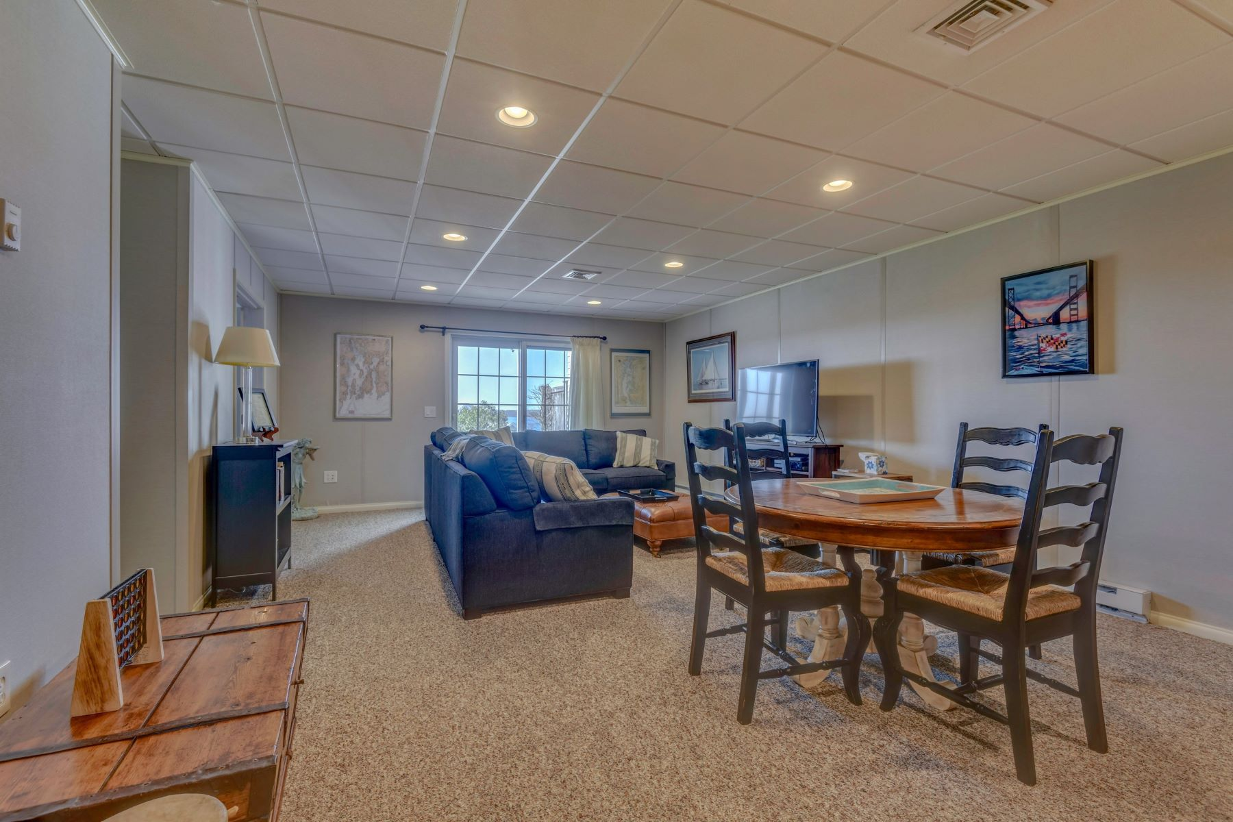 Additional photo for property listing at Sakonnet Style Townhome 23 Cutter Lane Tiverton, Rhode Island 02878 United States