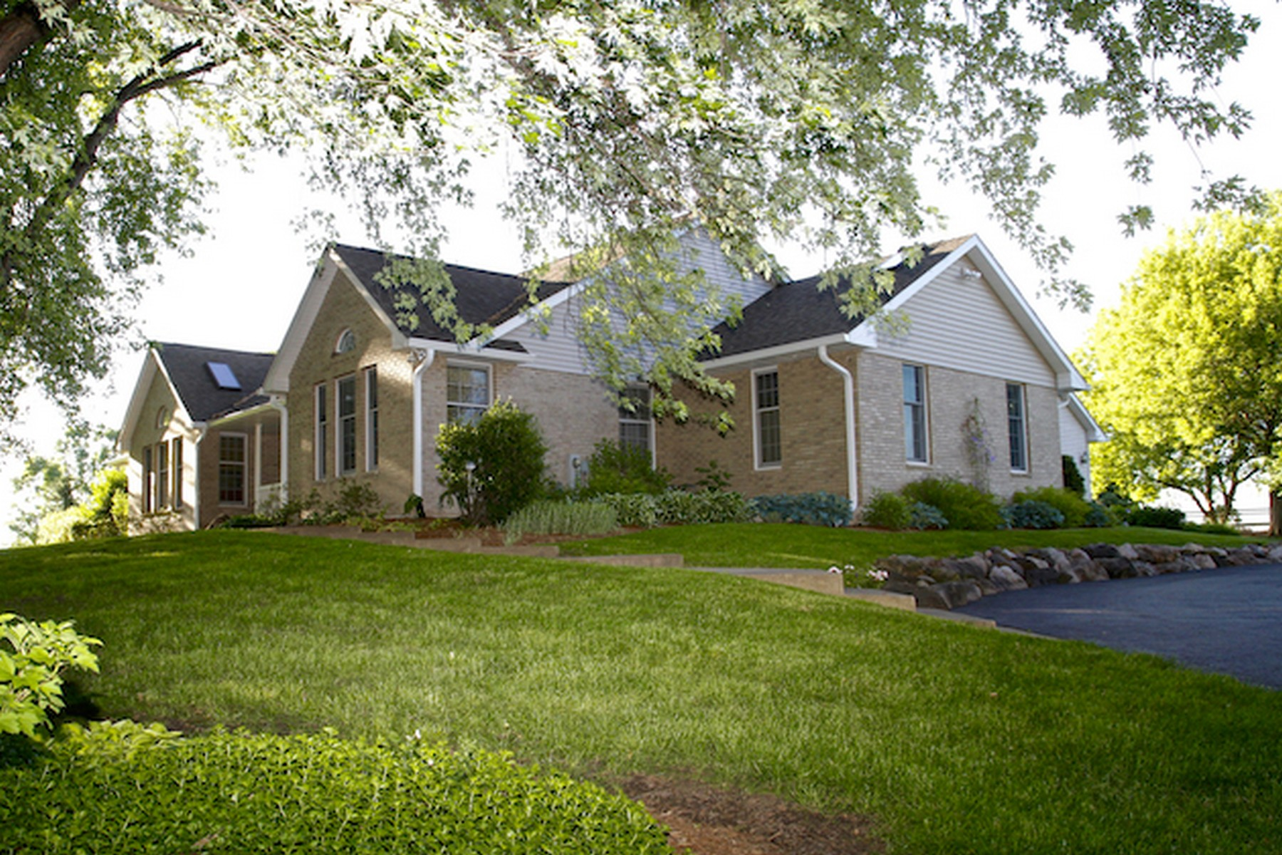Single Family Homes for Active at Five acre oasis! 6306 IL Route 173 Poplar Grove, Illinois 61065 United States
