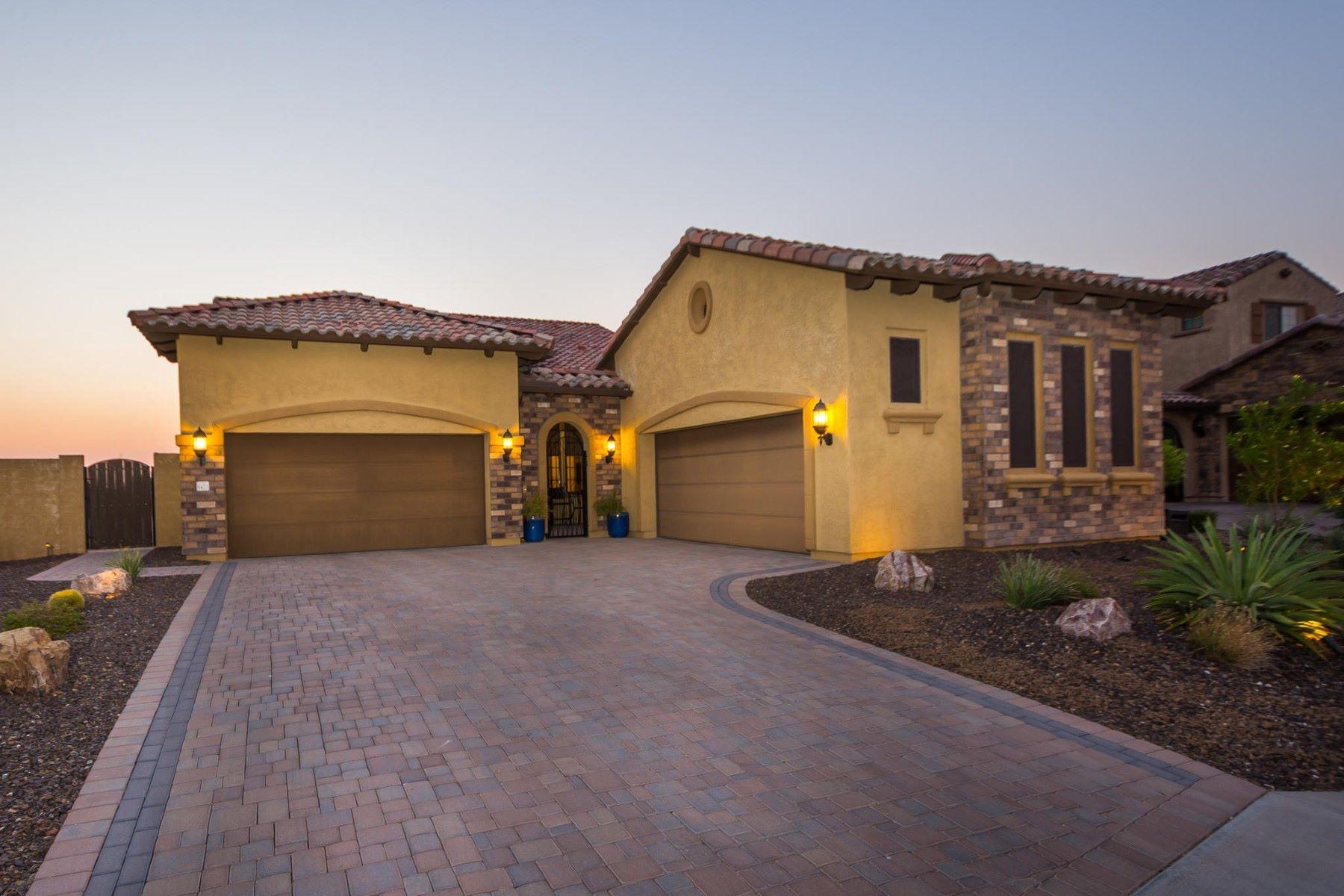 Casa Unifamiliar por un Venta en Resort style living in Mountain Bridge gated community 8422 E Laurel St Mesa, Arizona, 85207 Estados Unidos