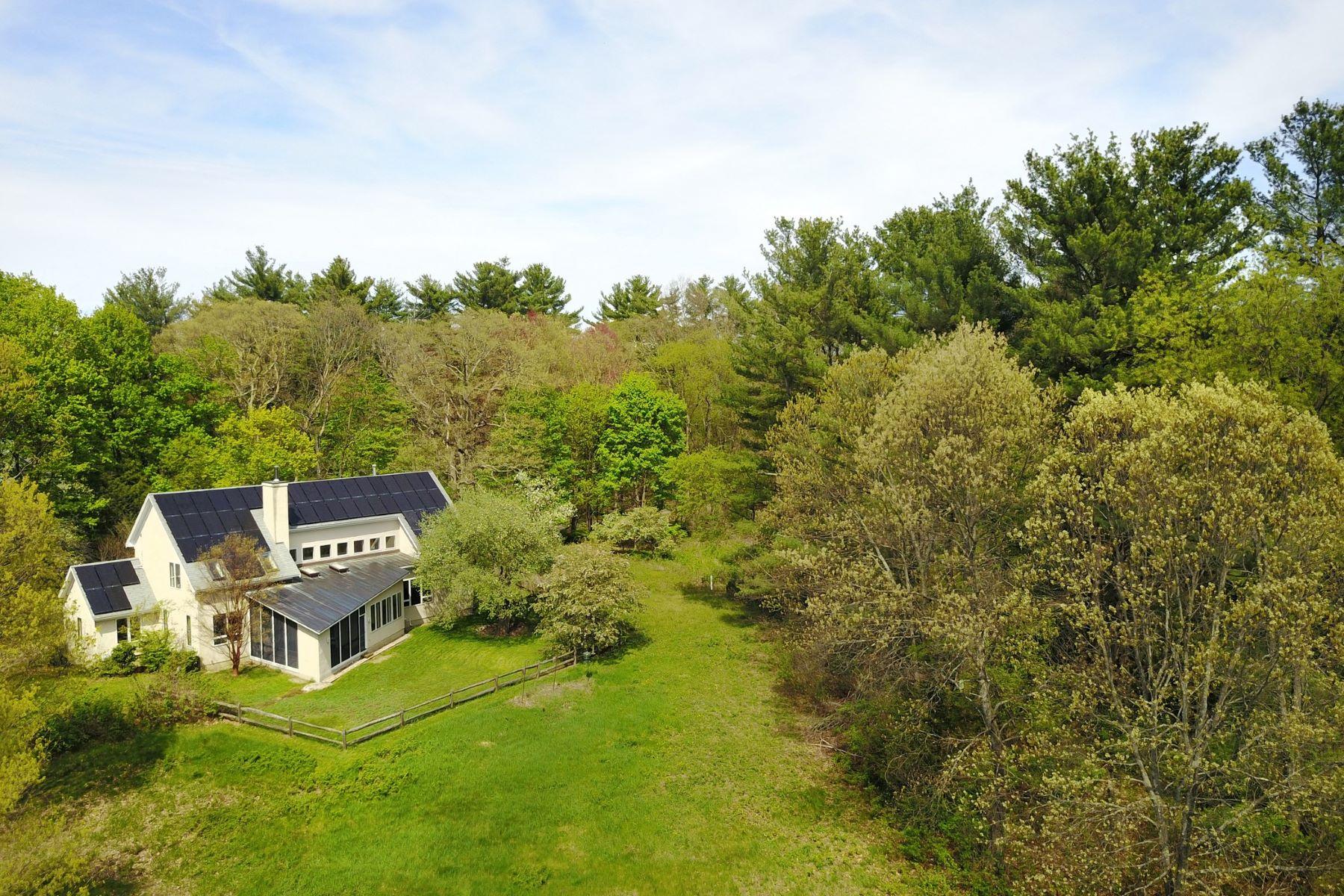 Casa para uma família para Venda às Refined modern home design 76 Trapelo Road Lincoln, Massachusetts, 01773 Estados Unidos