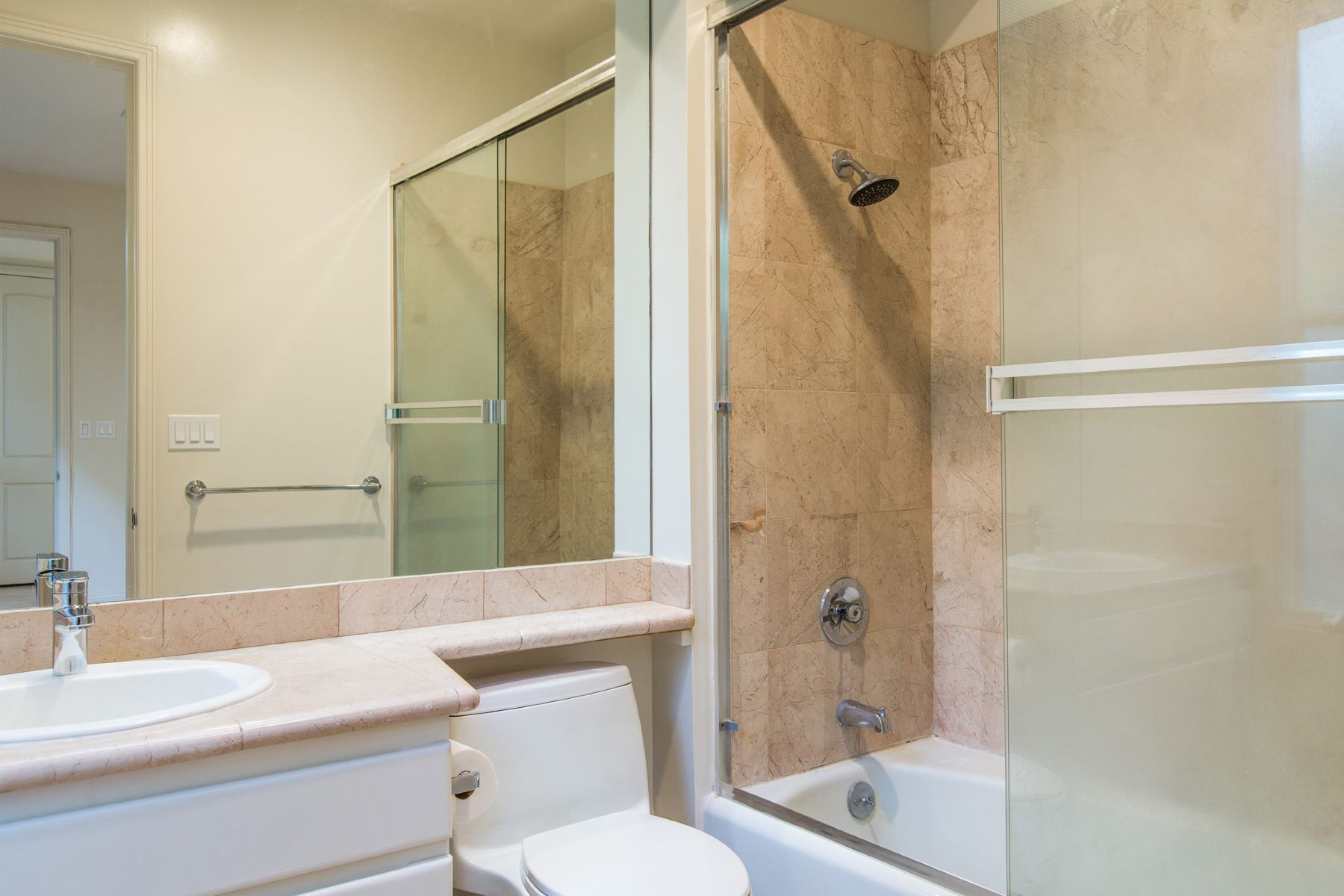 Additional photo for property listing at Grand Kahala Residence 4343 Kahala Avenue Honolulu, Hawaii 96816 United States