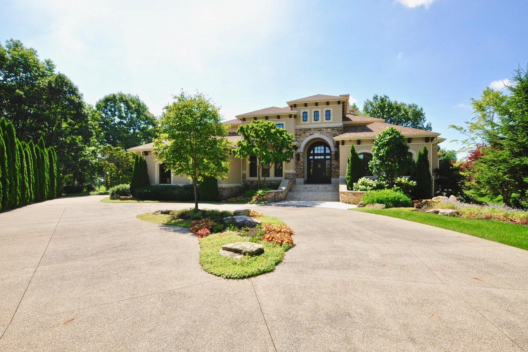 Single Family Homes للـ Sale في Beautiful Mediterranean Estate 15395 Whistling Ln, Carmel, Indiana 46033 United States