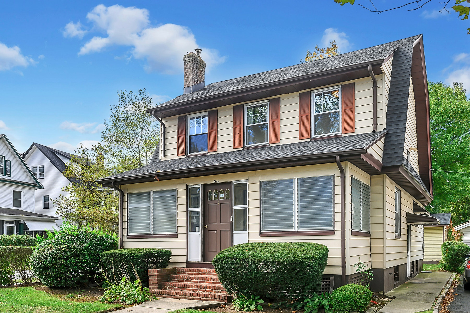 Single Family Homes for Sale at Charming Colonial 1 Roosevelt Avenue East Orange, New Jersey 07017 United States
