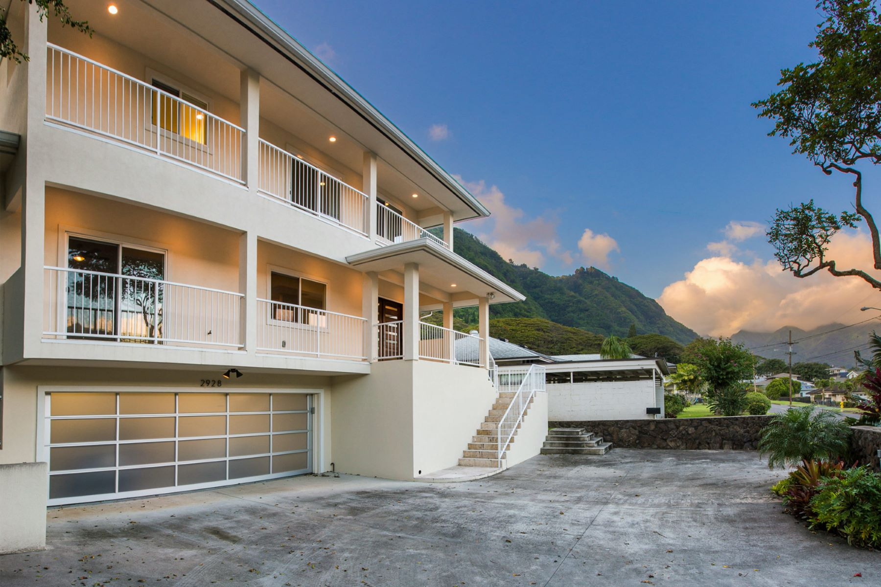 Single Family Home for Sale at Lush Manoa Valley 2928 Oahu Ave Honolulu, Hawaii 96822 United States