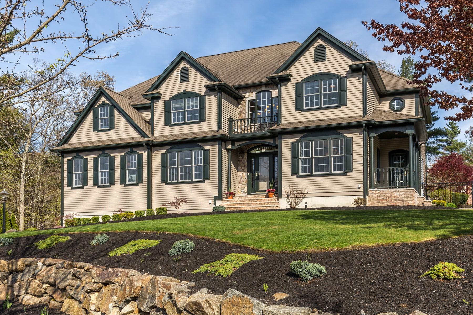 Casa para uma família para Venda às Inviting Beverly Cove Colonial 11 Birch Woods Drive Beverly, Massachusetts 01915 Estados Unidos