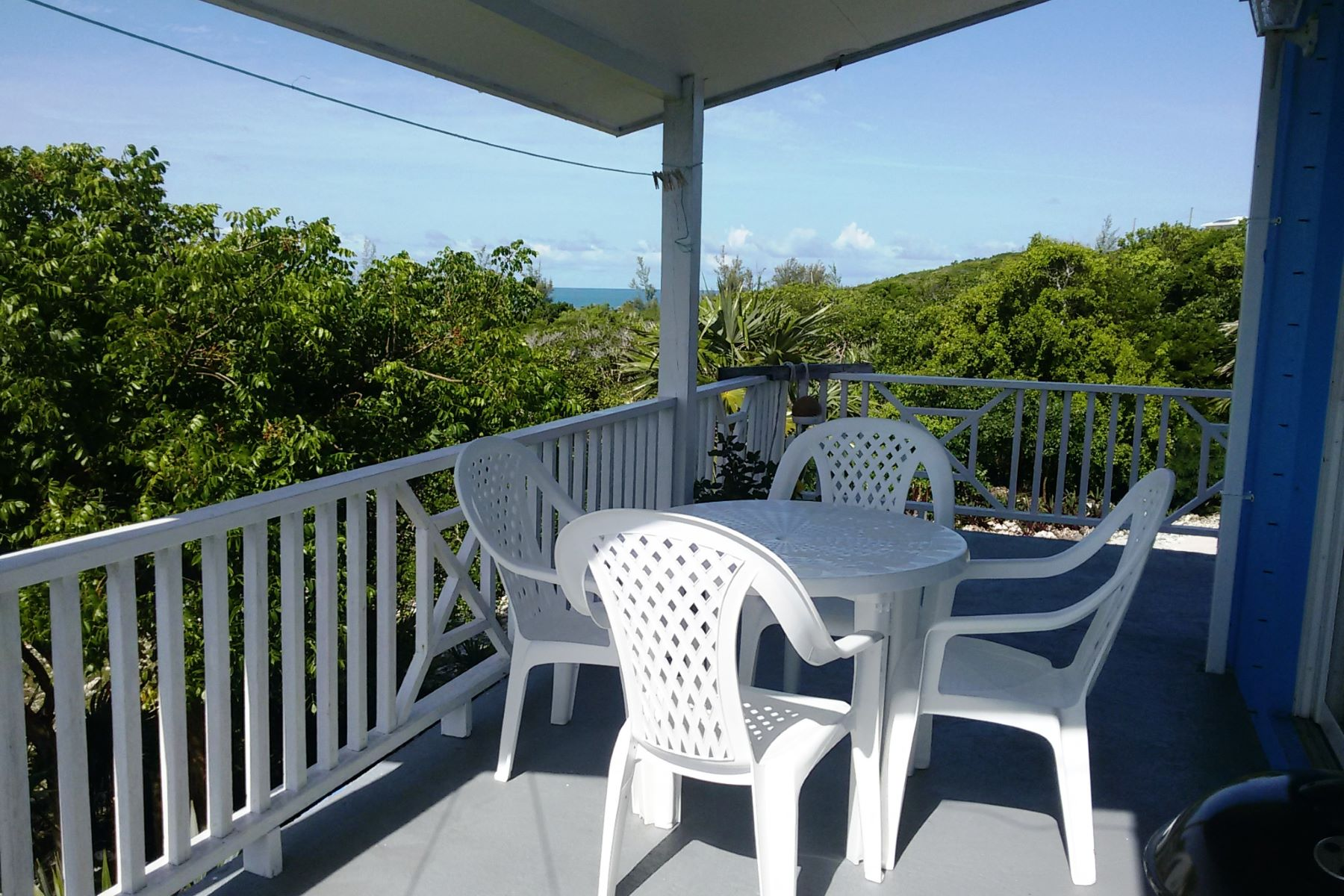 Additional photo for property listing at Blue Skies Rainbow Bay, Eleuthera Bahamas