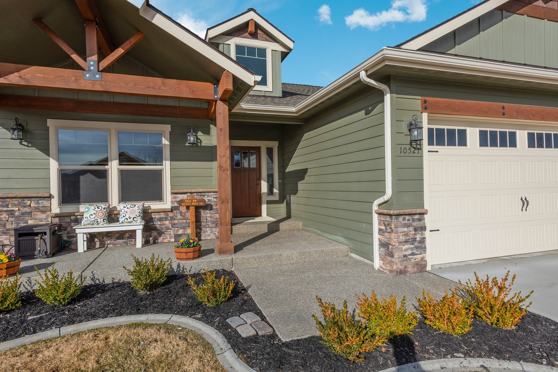 Single Family Homes for Active at 10521 N Barcelona St. Hayden, Idaho 83835 United States