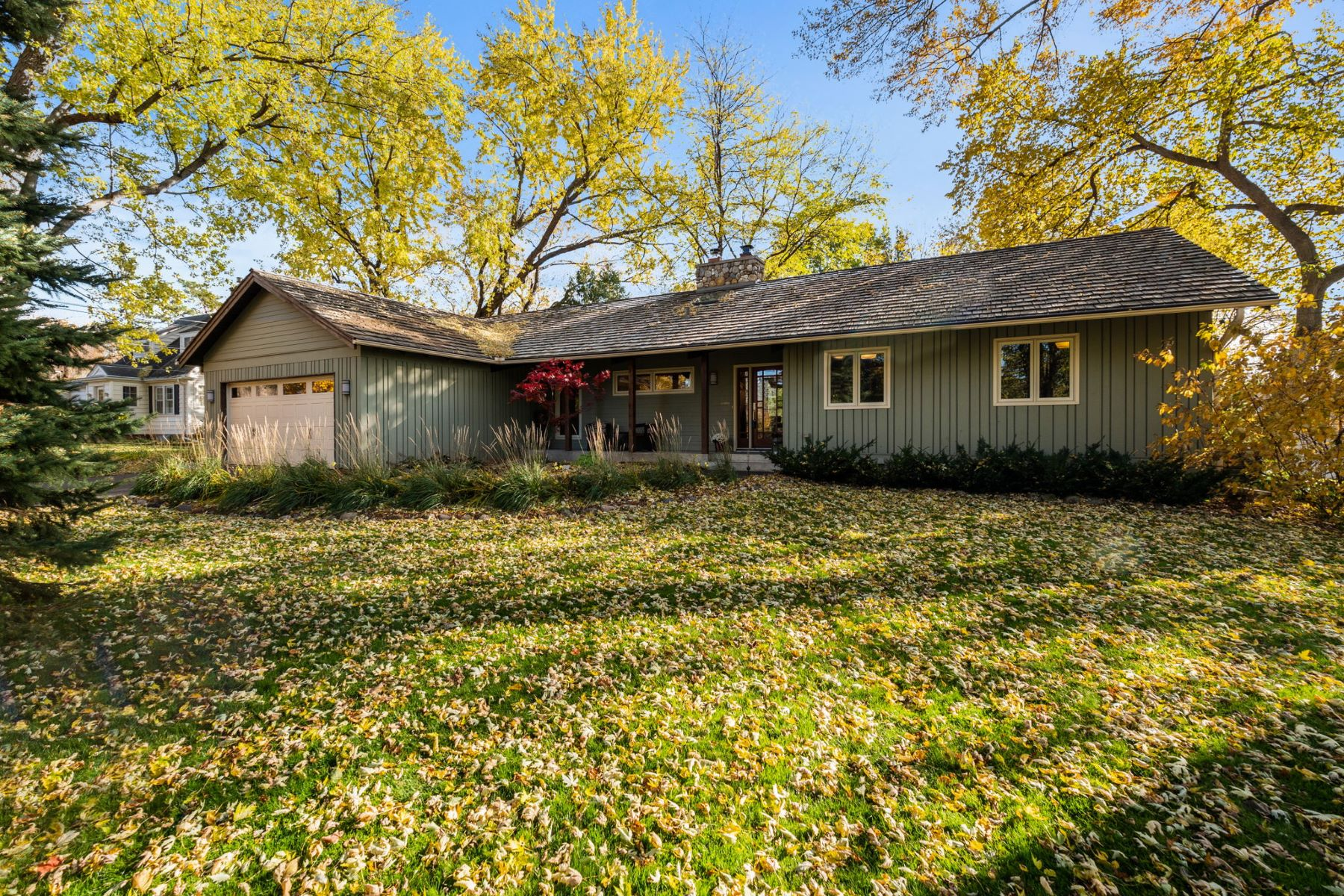 Single Family Homes for Sale at 13107 Inverness Road Minnetonka, Minnesota 55305 United States