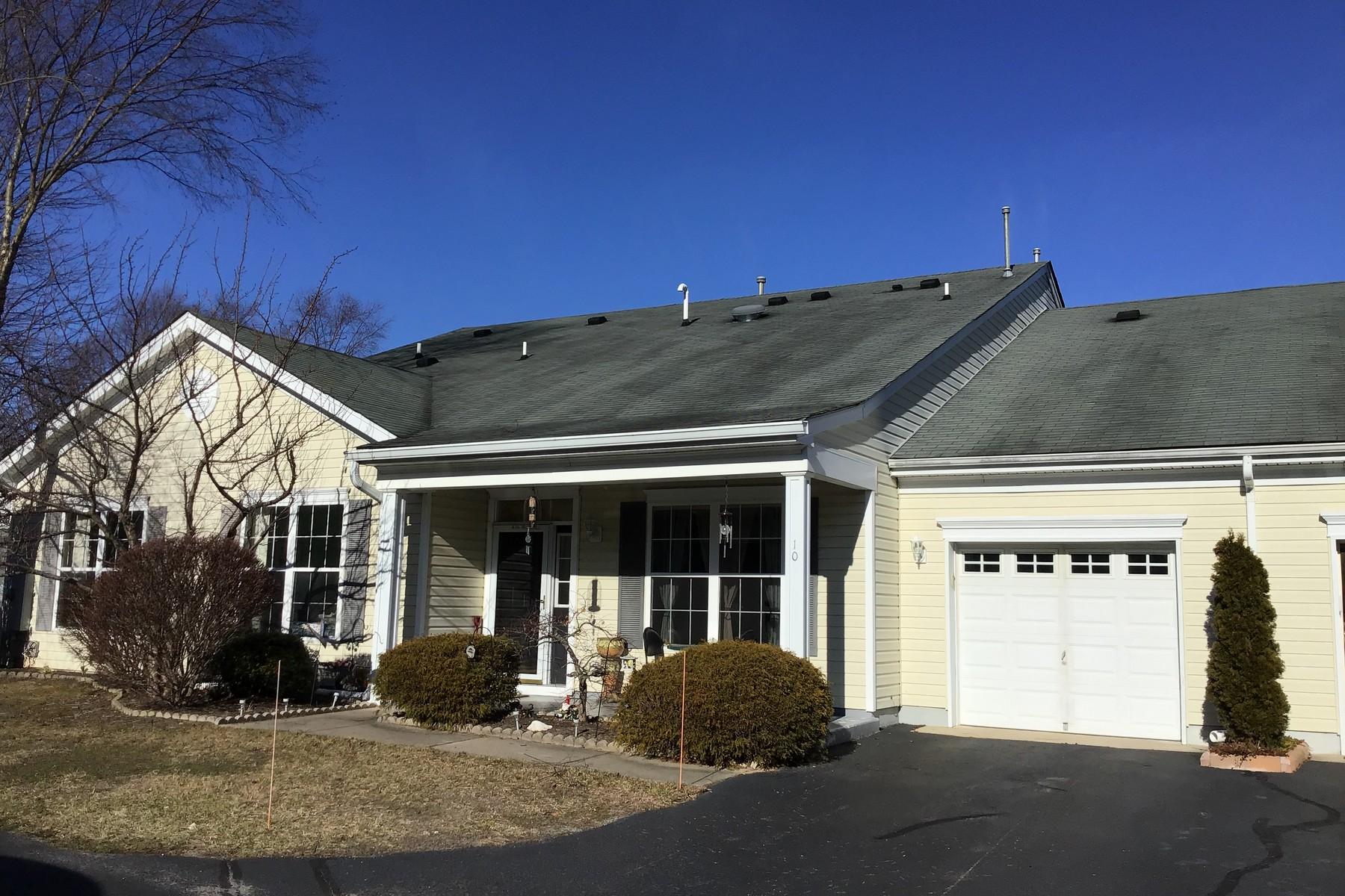 Maison unifamiliale pour l Vente à Chestnut Model 10 Autumntide Dr # 1000, Lakewood, New Jersey 08701 États-Unis