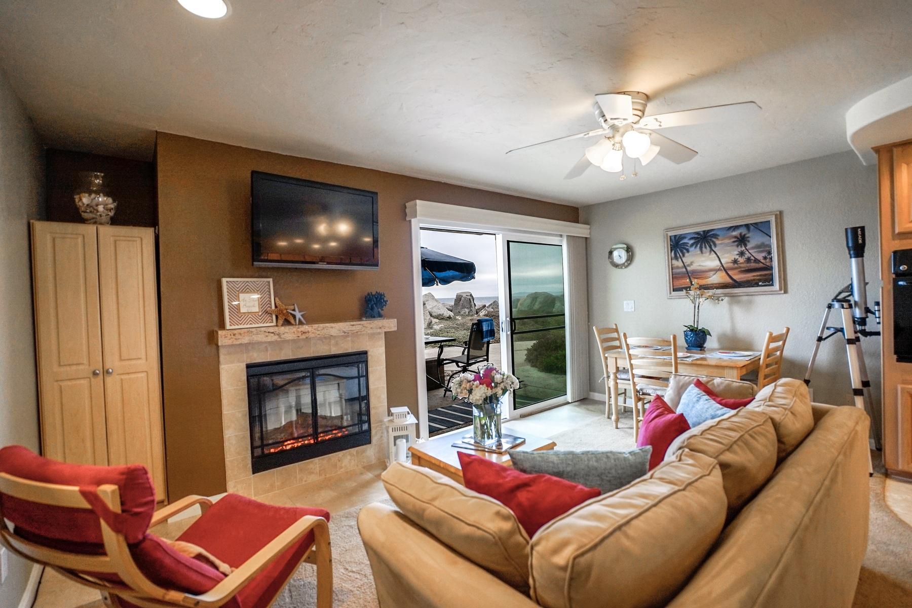 Condomínio para Venda às 1504 Seacoast Drive Imperial Beach, Califórnia, 91932 Estados Unidos