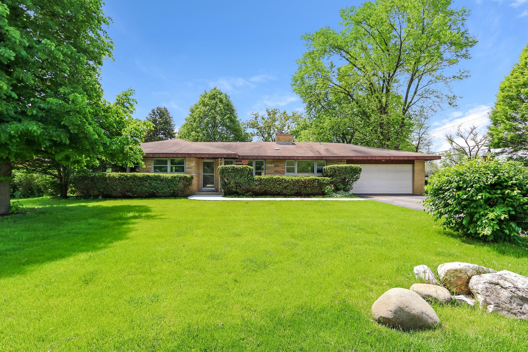 獨棟家庭住宅 為 出售 在 Move In Ready Brick Ranch 309 Viola Lane Prospect Heights, 伊利諾斯州, 60070 美國