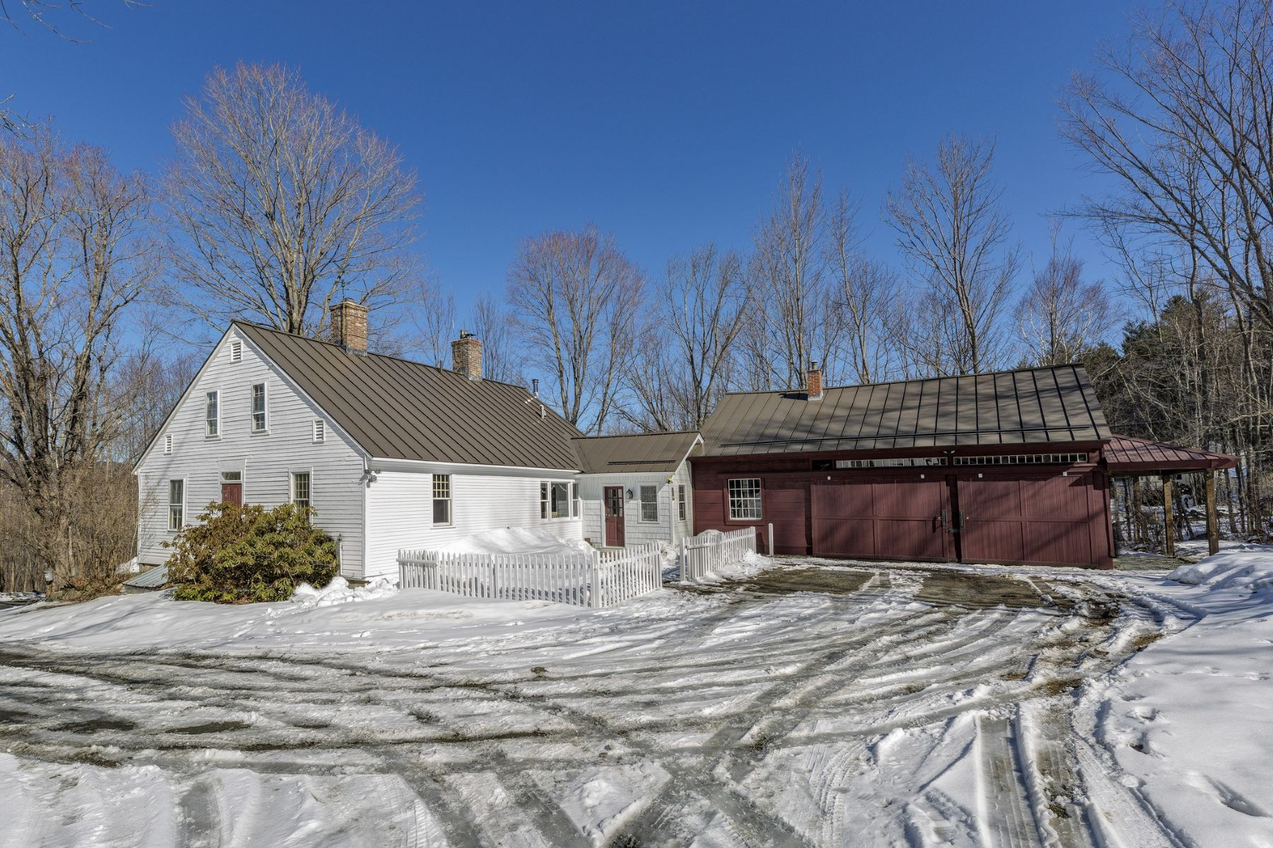 Single Family Home for Sale at Charming New England Cape 464 Boys Camp Rd Enfield, New Hampshire 03748 United States