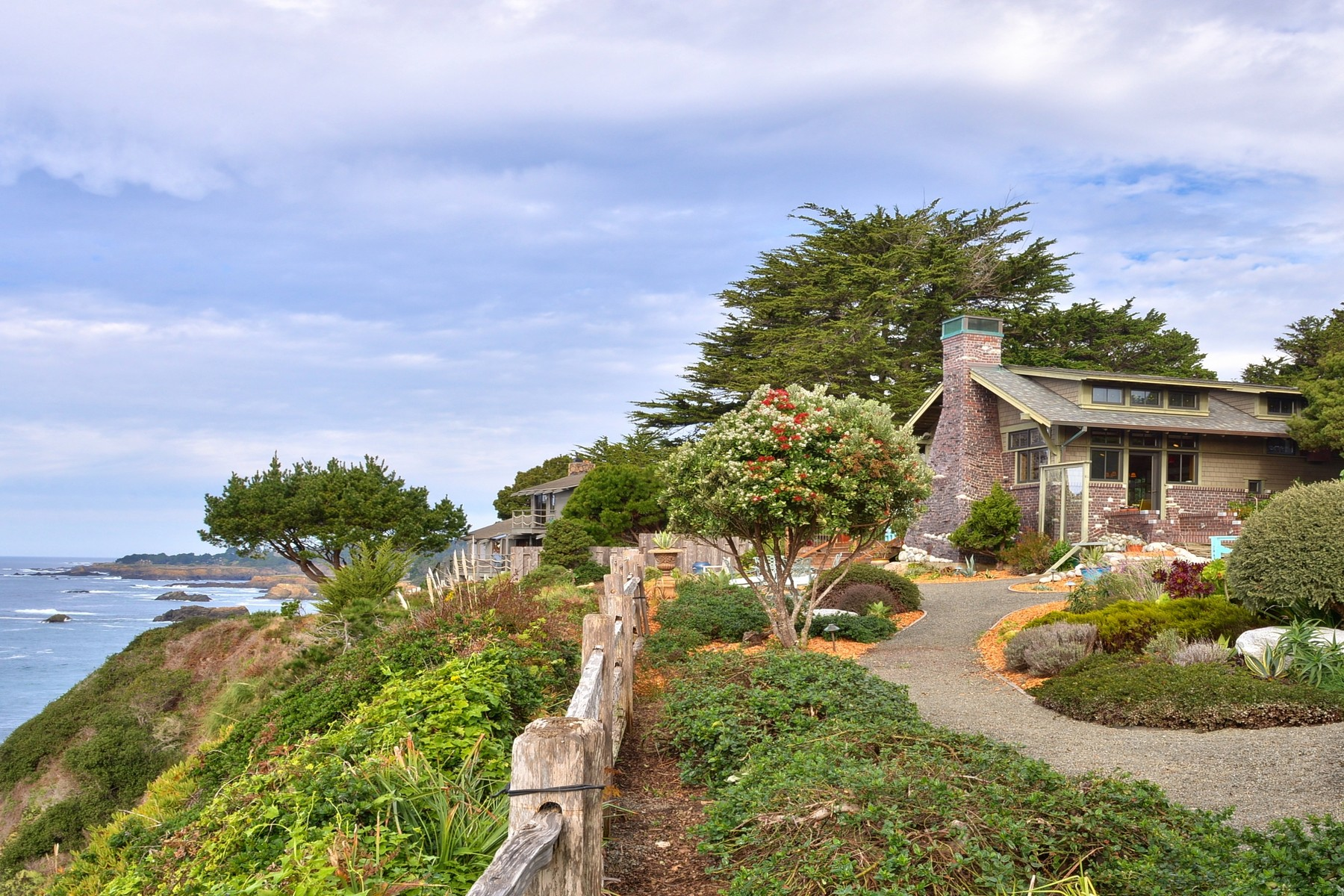 Single Family Home for Sale at Casa Pacifica 11050 Lansing Street Mendocino, California 95460 United States
