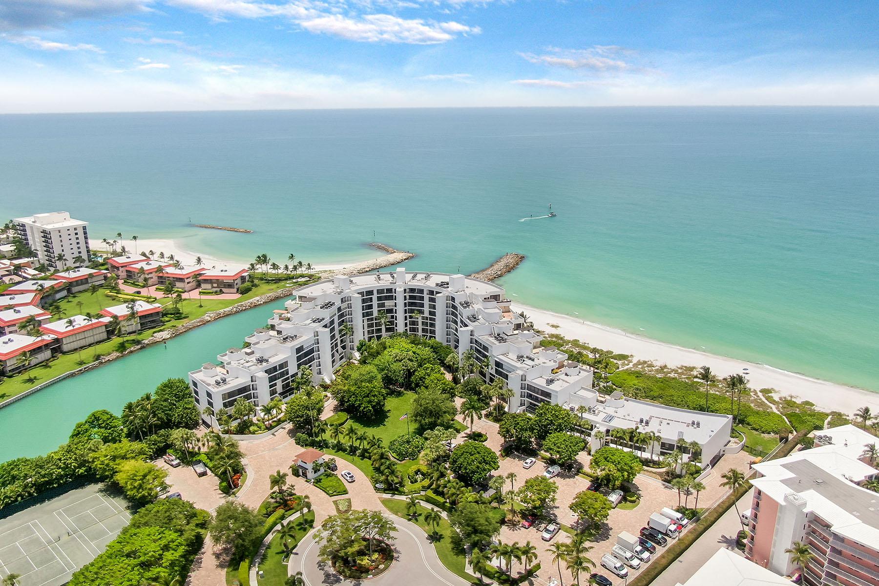 Condominiums vì Bán tại MOORINGS ~ ADMIRALTY POINT 2352 Gulf Shore Boulevard N , 704 Naples, Florida 34103 Hoa Kỳ