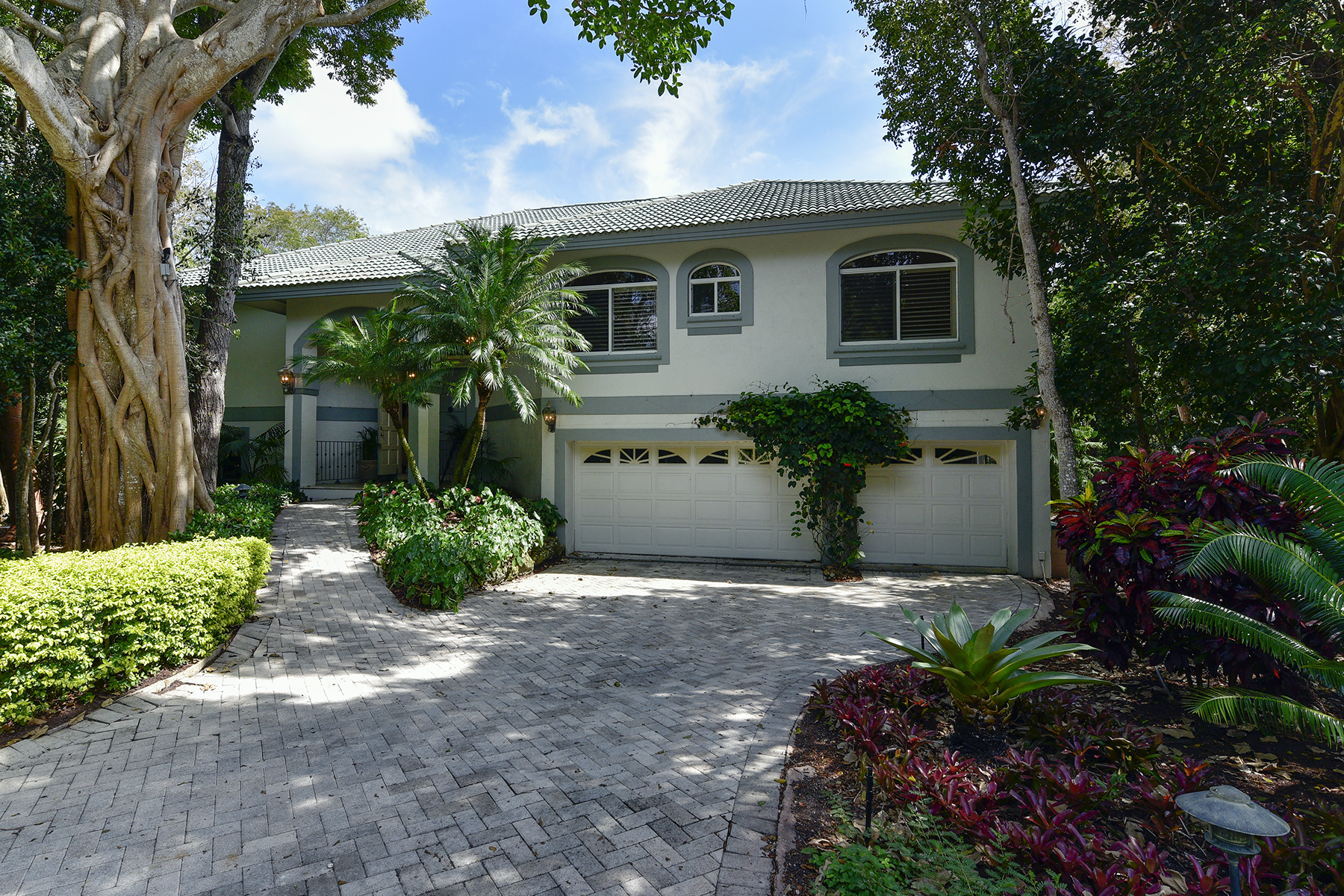 Additional photo for property listing at Golf and Lakefront View Home at Ocean Reef 18 Cinnamon Bark Lane Key Largo, Florida 33037 Vereinigte Staaten