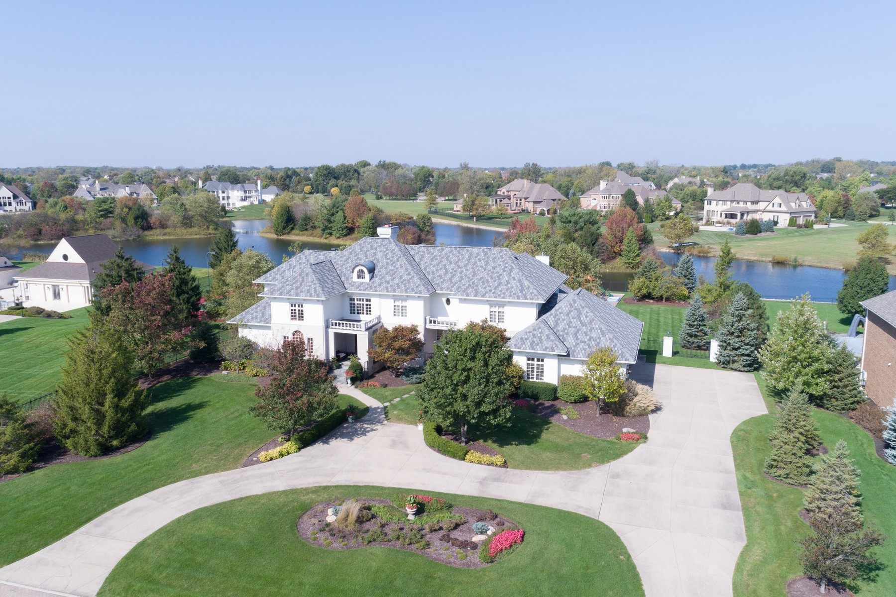 Single Family Home for Sale at Exquisite Estate in Bridlebourne 3528 Hintocks Circle, Carmel, Indiana, 46032 United States