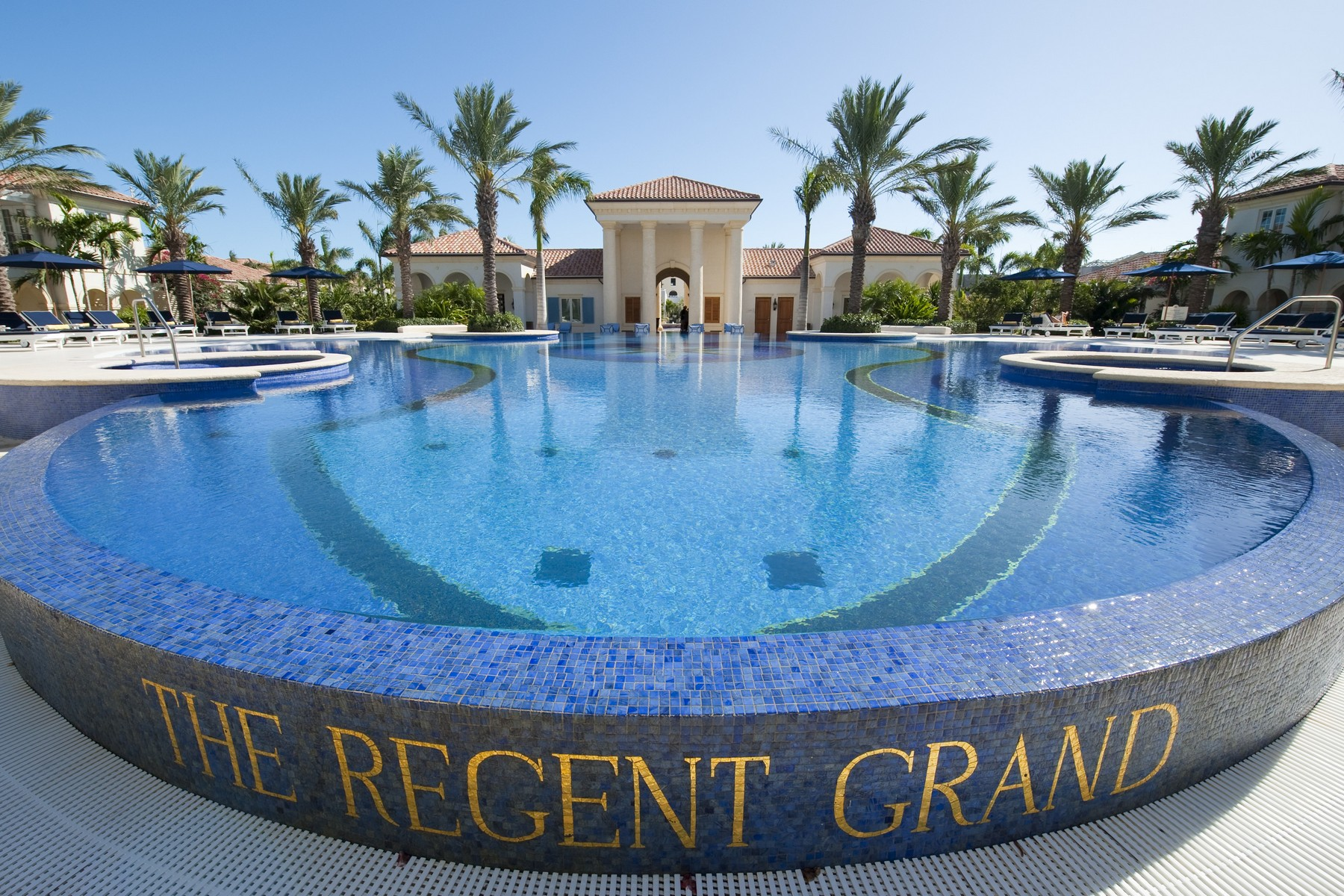 Additional photo for property listing at The Regent Grand - Suite 305 The Regent Grand, Grace Bay, Providenciales Islas Turcas Y Caicos