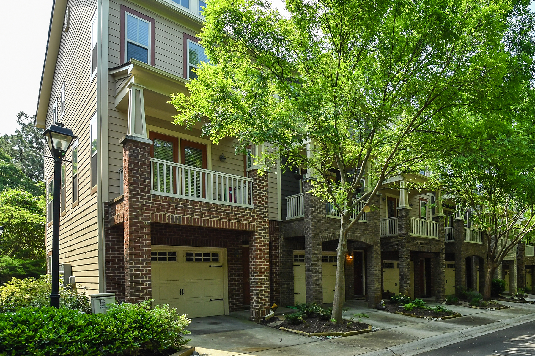 Single Family Home for Sale at Three-Level Townhome Overlooking Future Beltline 855 Commonwealth Atlanta, Georgia 30312 United States