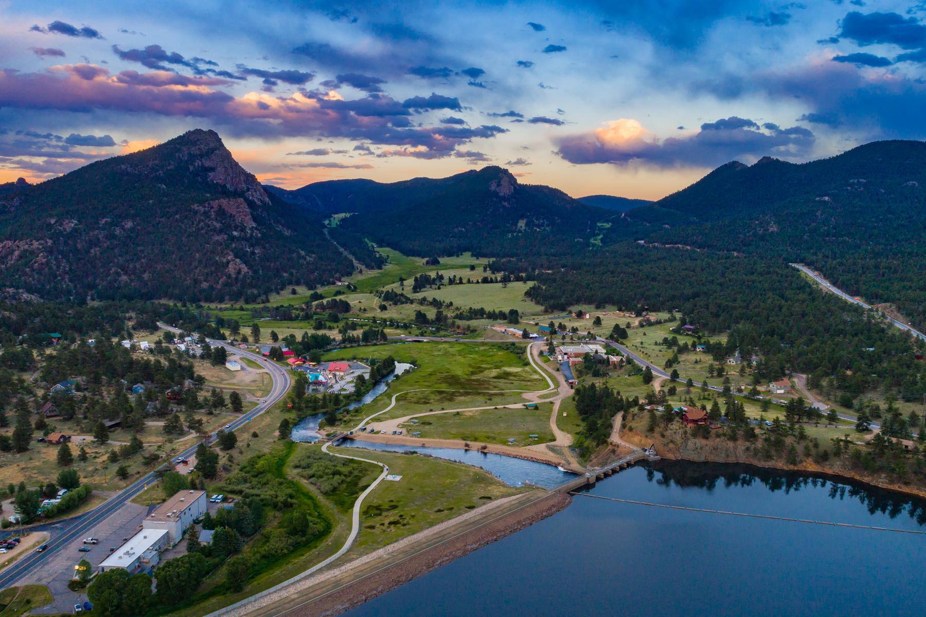 Additional photo for property listing at Exclusive Residential Resort Opportunity 1612 Mountain Village Ln Estes Park, Colorado 80517 United States