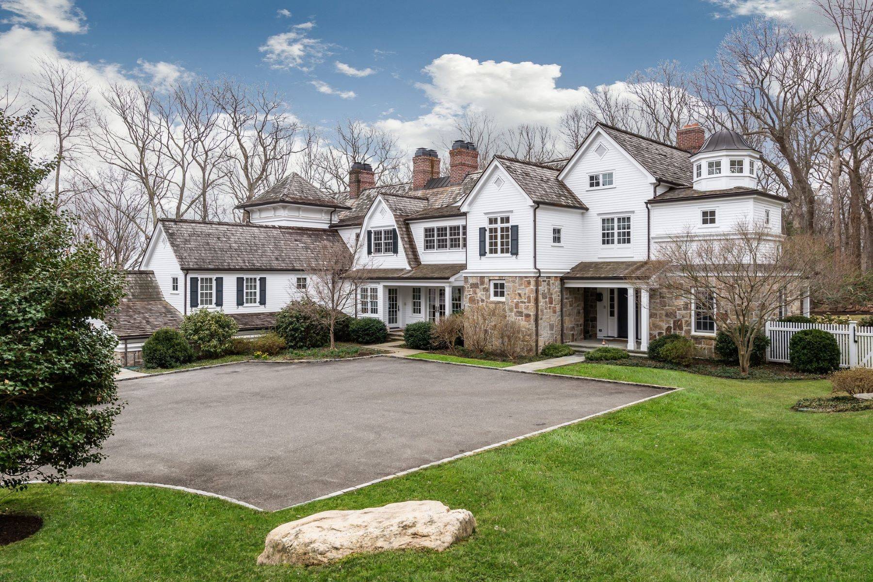 Single Family Homes for Active at Mill Neck 996 W West Shore Rd Mill Neck, New York 11765 United States