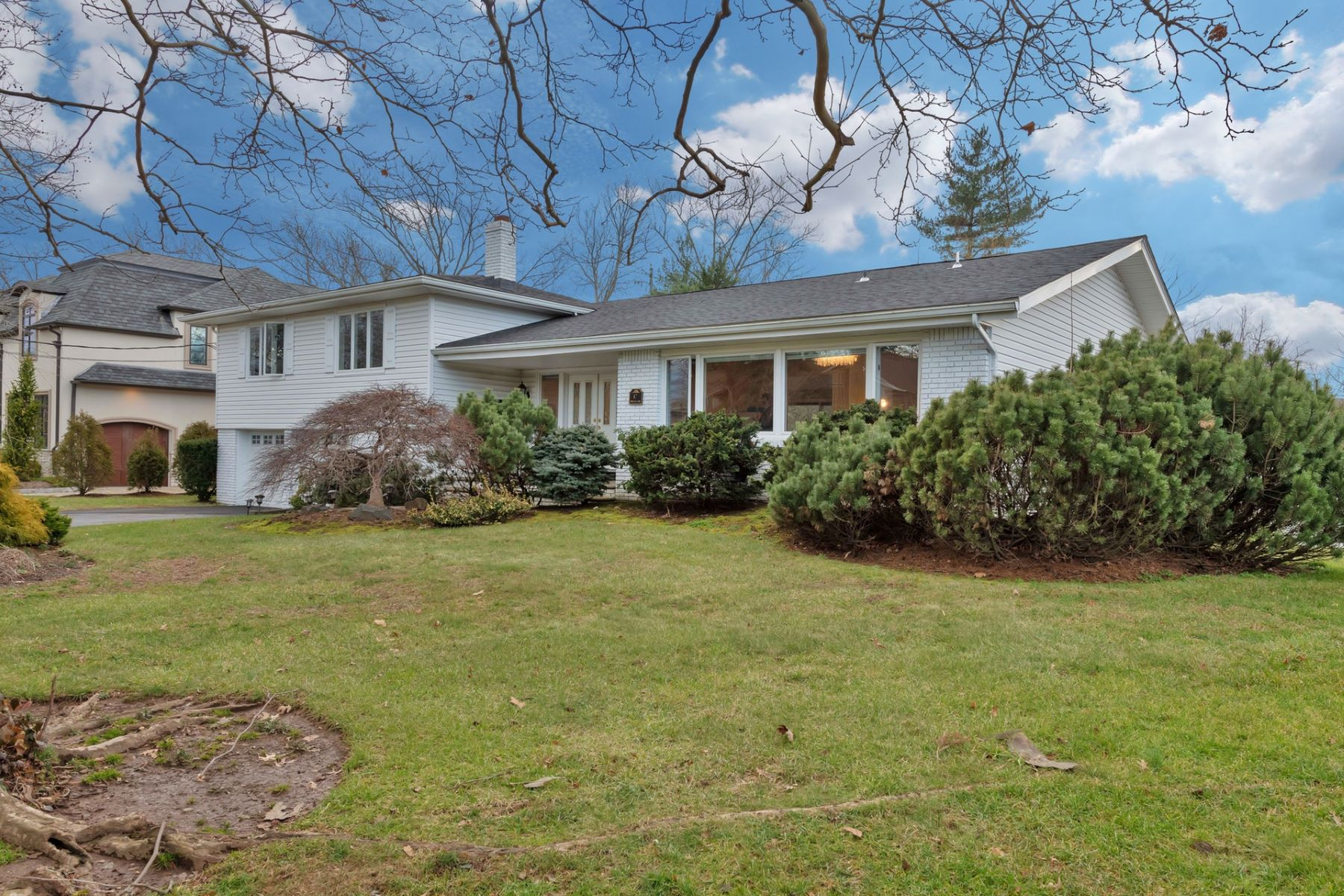 Single Family Home for Sale at Great Family Home! 17 Priscilla Lane, Englewood Cliffs, New Jersey 07632 United States