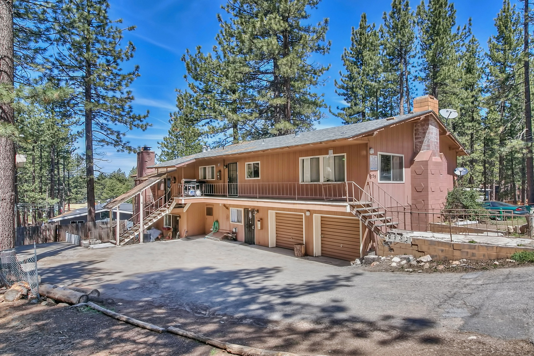 Multi-Family Home for Active at 3739 Ruby Way, South Lake Tahoe, California 96150 South Lake Tahoe, California 96150 United States