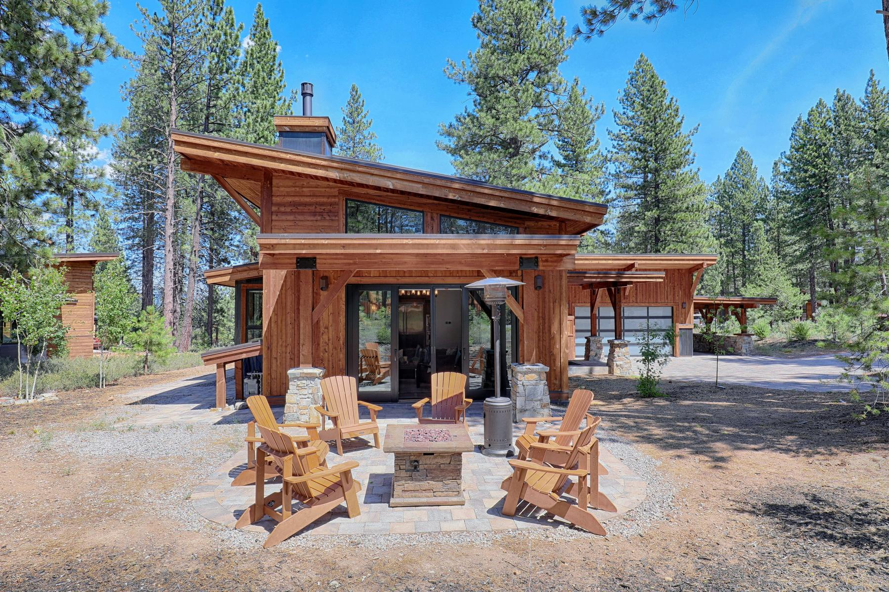 Additional photo for property listing at 11090 Henness Road, Truckee, Ca 96161 11090 Henness Road Truckee, California 96161 United States
