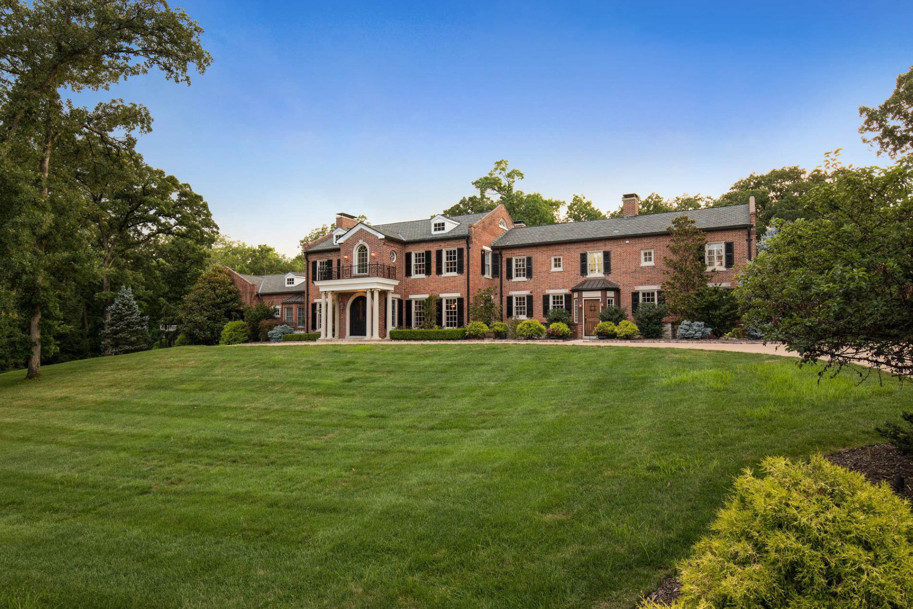 Single Family Home for Sale at Grand Estate in Saint Louis Country Club 18 Pine Valley Drive Ladue, Missouri 63124 United States