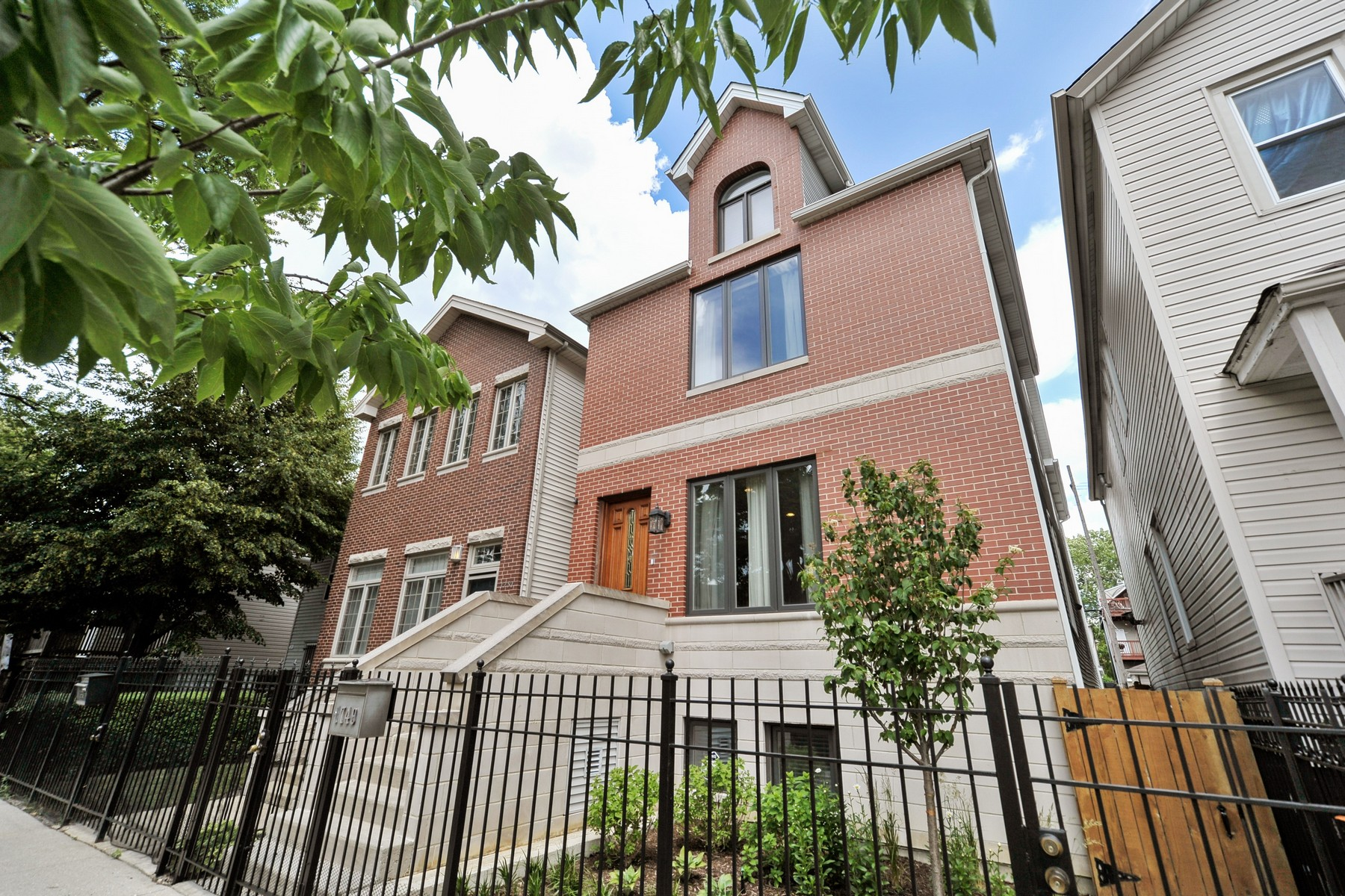 Single Family Home for Sale at Absolutely Beautiful Traditional Home 1749 N Talman Avenue Chicago, Illinois, 60647 United States