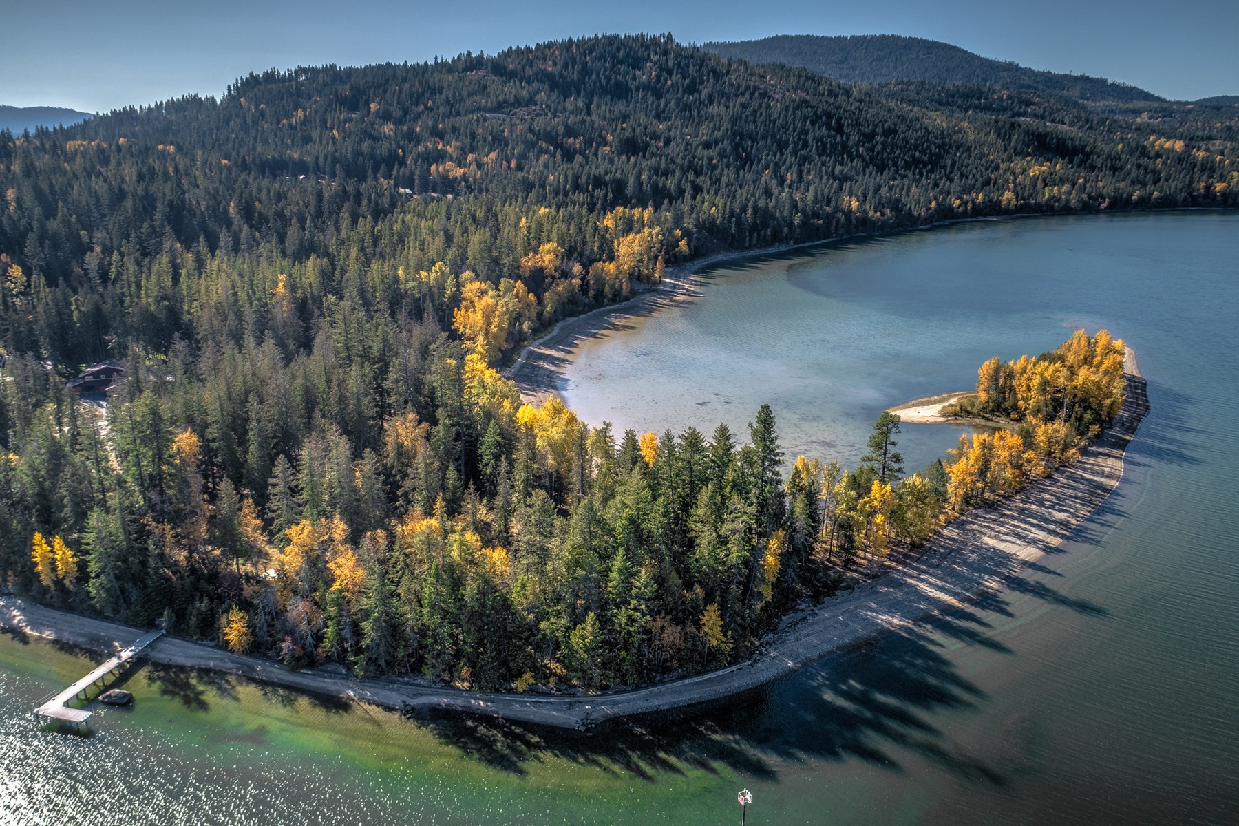 Terrain pour l Vente à Waterfront Acreage on Pend Oreille River 107 Clearwater Lane Sagle, Idaho 83860 États-Unis