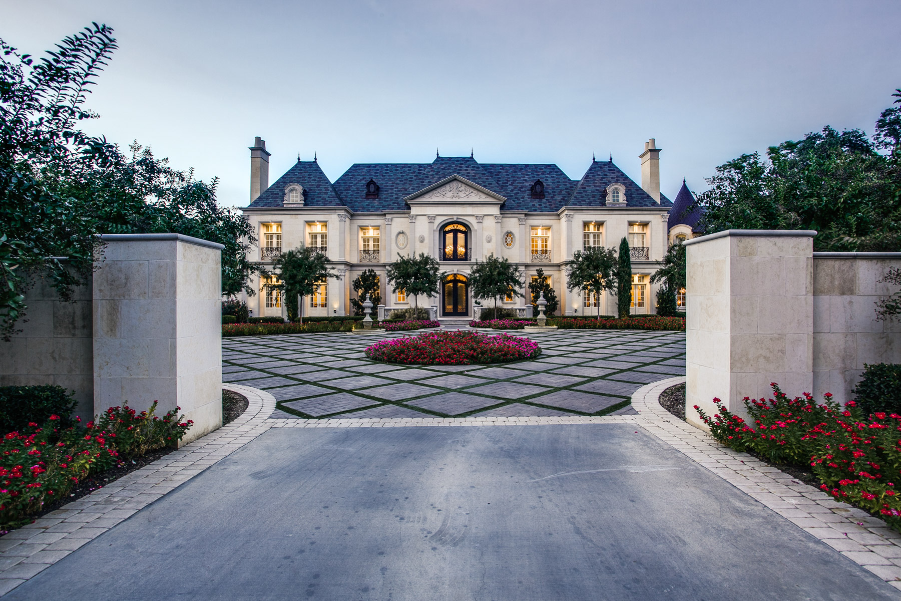 Single Family Homes 용 매매 에 Exquisite French Renaissance 5139 Seneca Drive, Dallas, 텍사스 75209 미국