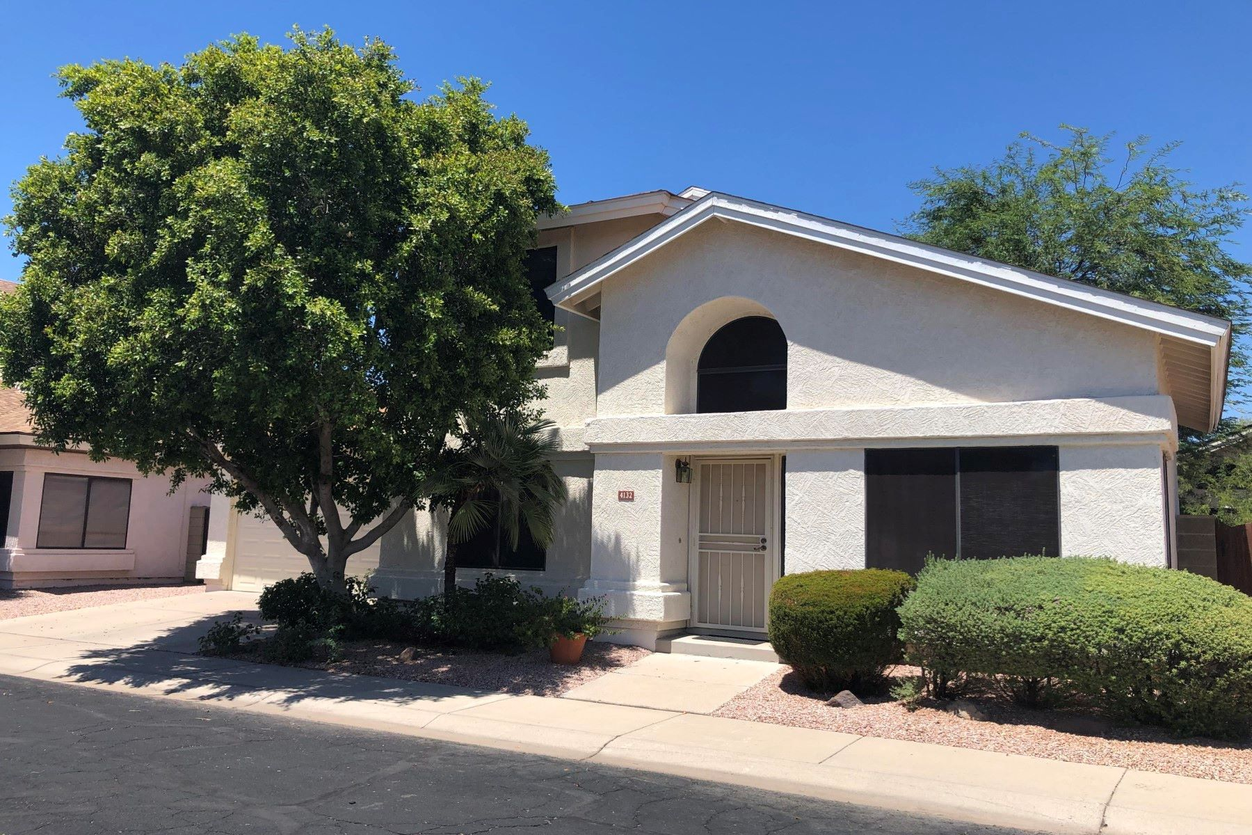Single Family Homes for Active at Great Single Family Home 4132 W KIMBERLY WAY Glendale, Arizona 85308 United States